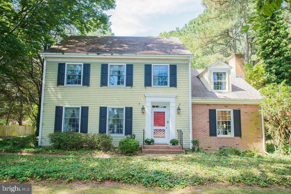 A MUST SEE stately colonial in walking distance to Salisbury University, restaurants and entertainme