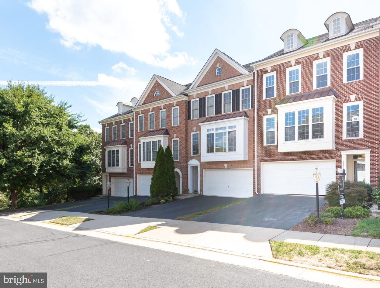 Stunning Townhome in Piedmont. This open concept home is sunny and bright! The wall of windows in the family room and the gleaming hardwoods along with designer touches everywhere, make this home show like a model home. Spacious Gourmet kitchen with granite, large island, cooktop and double ovens. Lower level has a warm and inviting family room complete with fireplace with a custom mantle. The upper level has 3 large bedrooms and laundry room. HVAC system has zoned system, whole house humidifier and electronic air filter.All of this and located just a walk away from the Piedmont Golf Course Welcome Home!