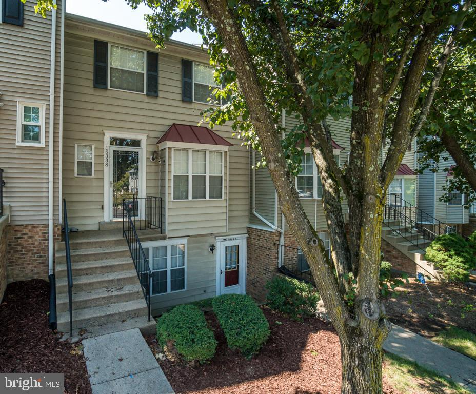 Commuters Dream! Mins from I-95 & Commuter stops! Conveniently located to shopping, schools & parks!