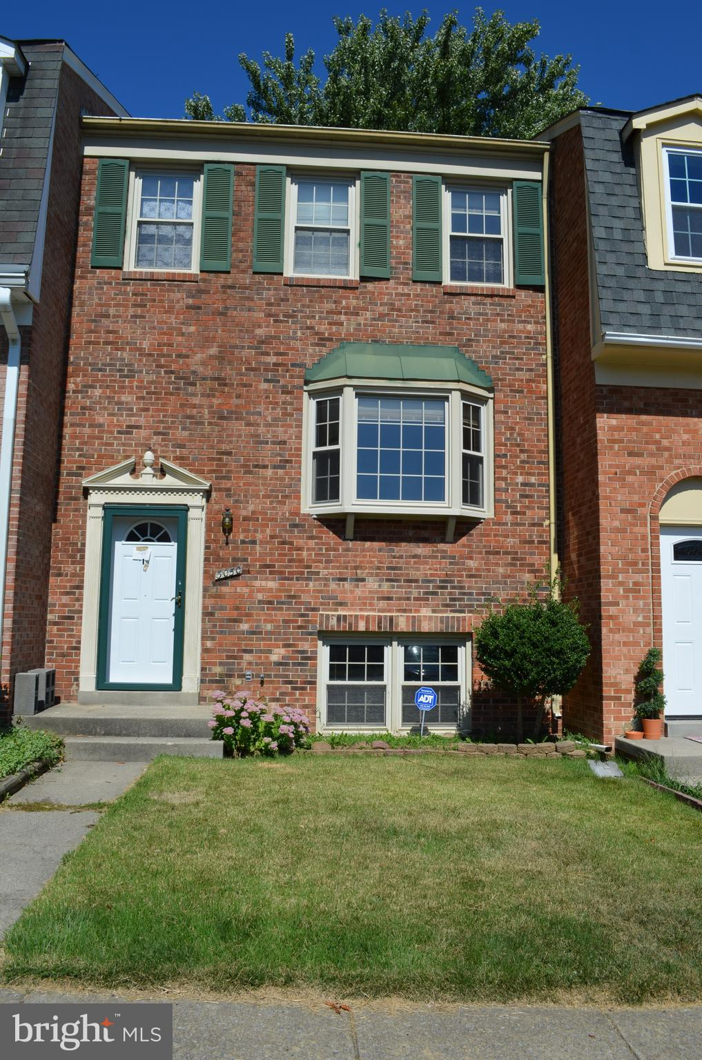 Coming to Auction at Xome.  Spacious 3 level townhouse in Lake Ridge, 3 bedrooms and 1.5 baths on up