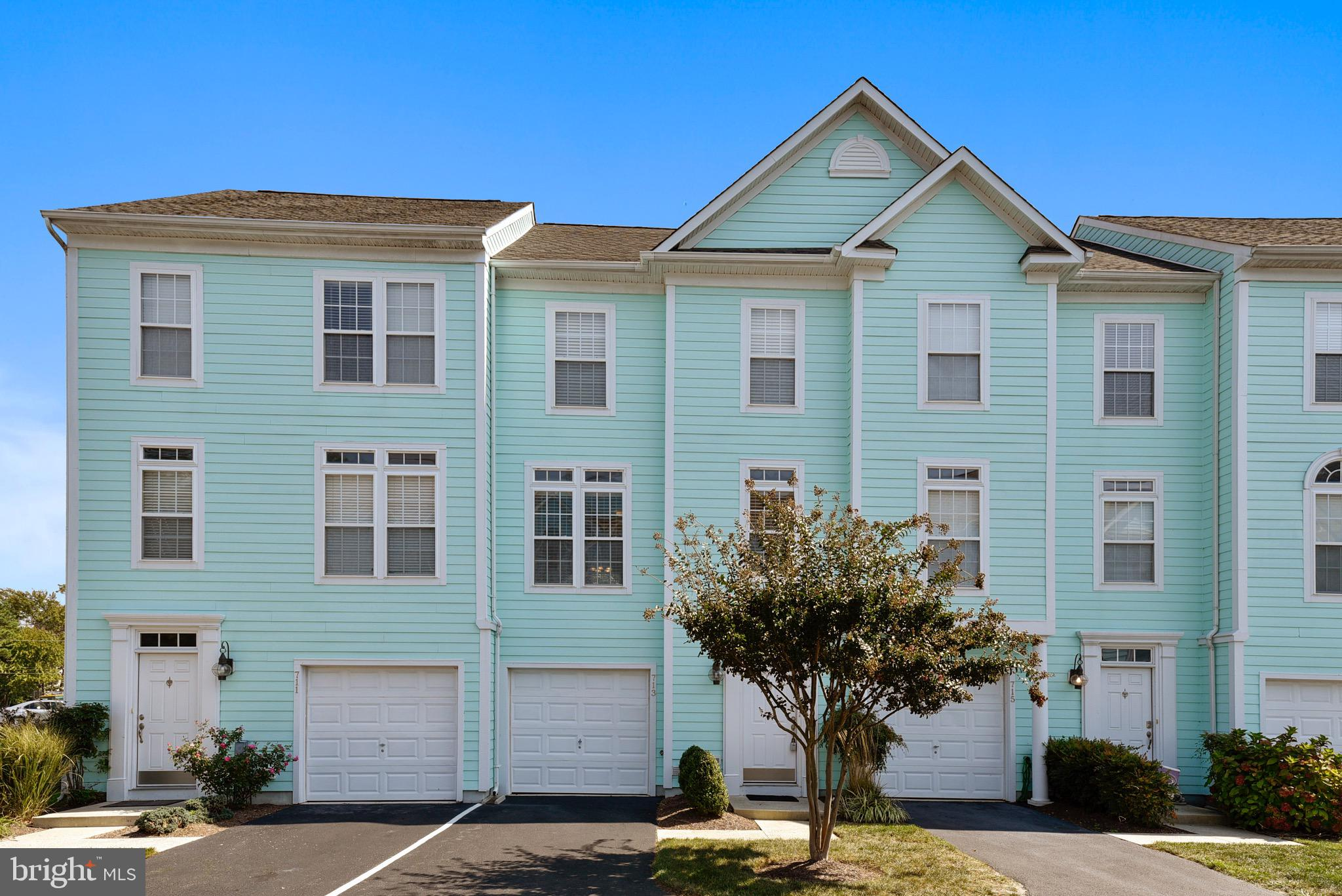 Move in ready...unpack your bags and relax in this beautiful townhouse in the desirable Bethany Shor