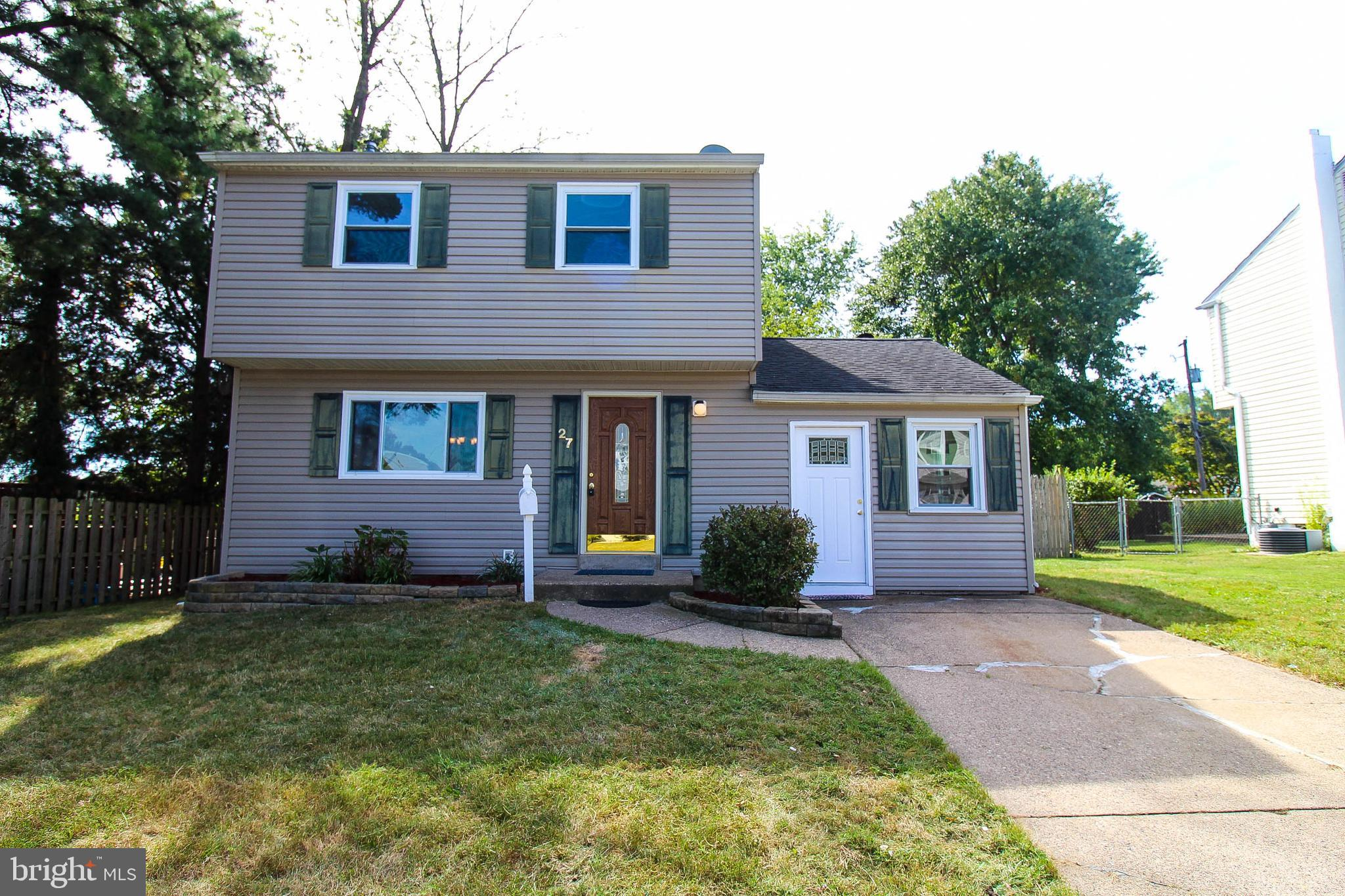 Renovated and ready to move in!  Come see this beautifully updated home with updated kitchen and bat