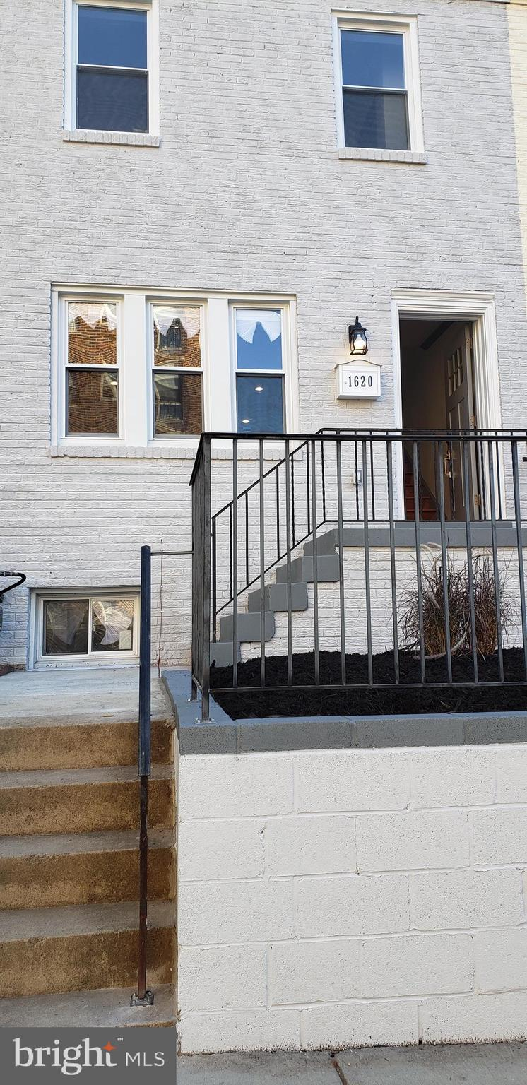 AMAZING RENOVATION!!! THIS PROPERTY SITS NESTLED ON A QUIET CUL DE SAC IN THE HEART OF DC, WITH HIGH