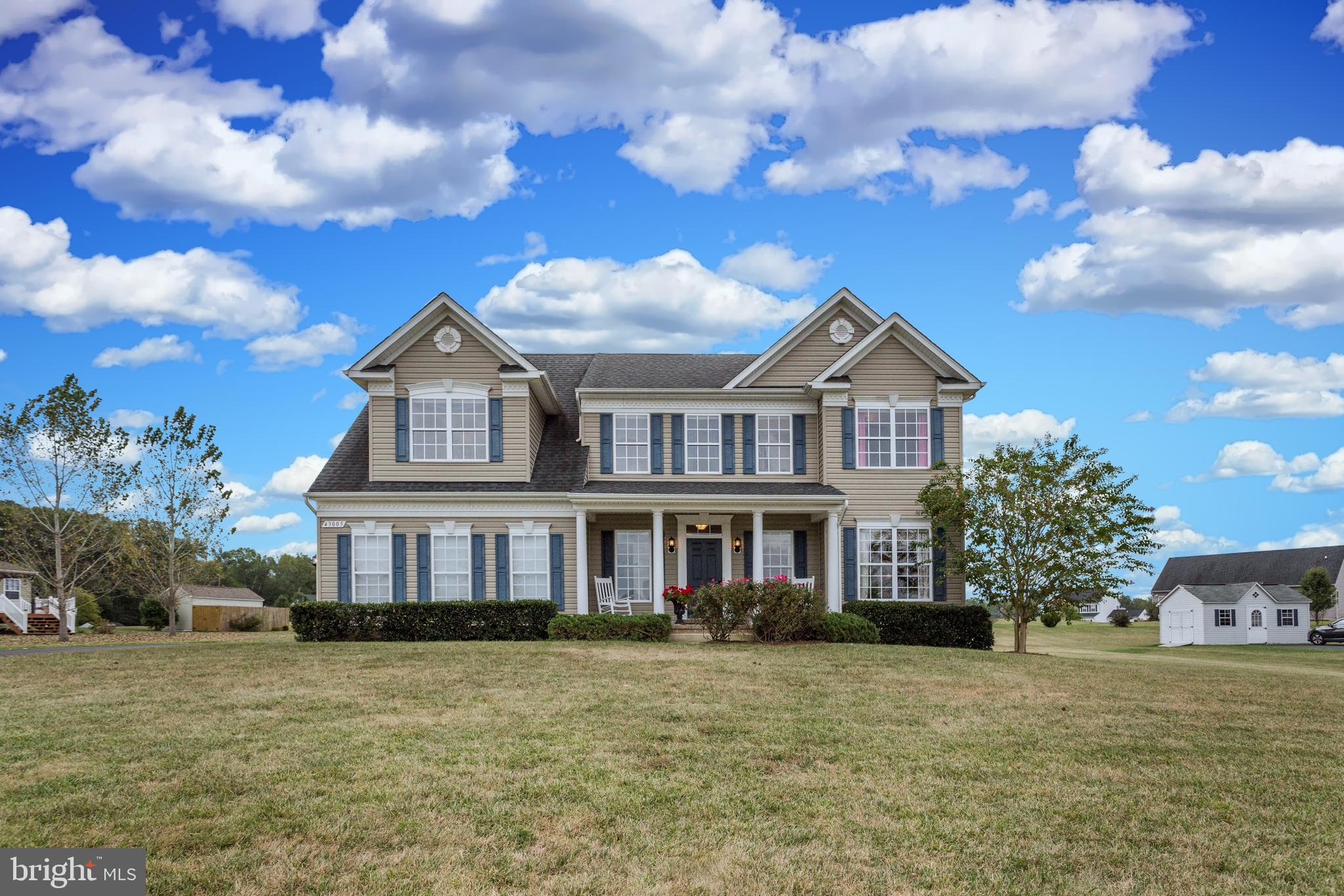 LEONARDTOWN FARM! Well known-sought after community zoned for desirable schools. Impeccably maintain