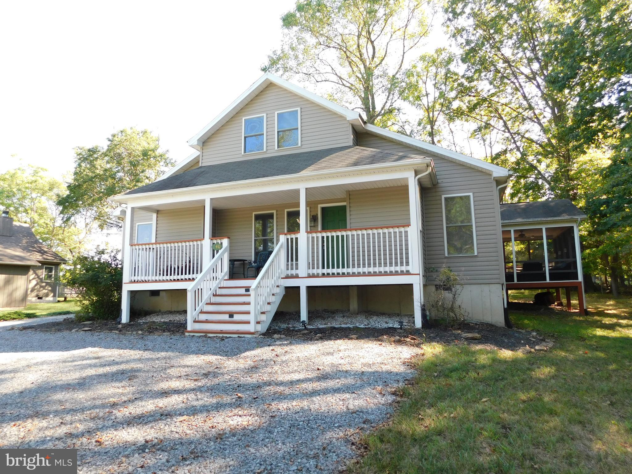 Feel free to relax and unwind at this well maintained single family home at The Woods!  Property is