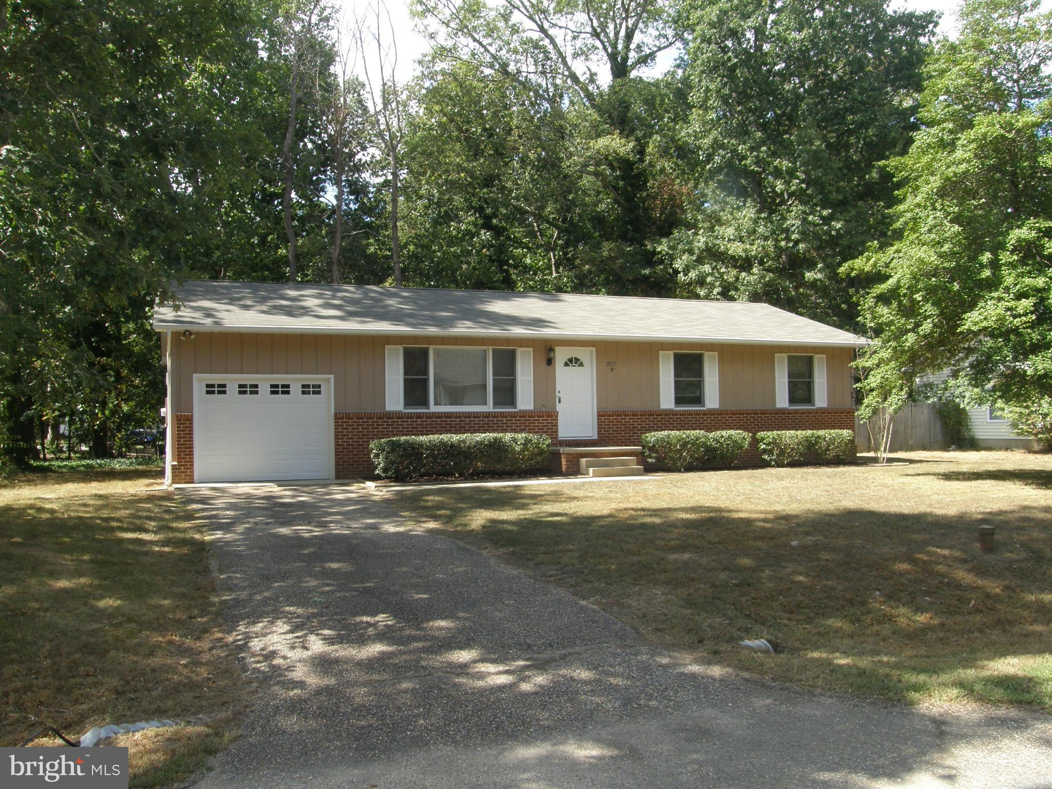 Easy Street one level living! This home has fresh paint, recent carpet, roof, landscaping, interior