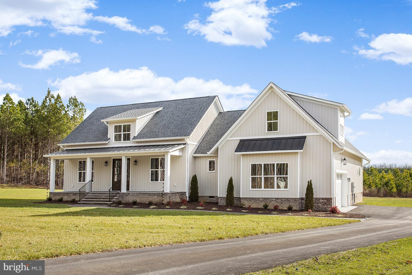 This BEAUTIFUL home is ready for MOVE-IN!! Custom construction by Deerfield Homes on 1.1 acres in De