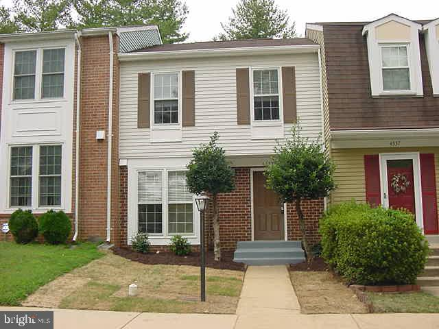ABSOLUTELY GORGEOUS, TOTALLY REMODELED TOWNHOME IN NICE NEIGHBORHOOD & GREAT LOCATION * ALL NEW KITC
