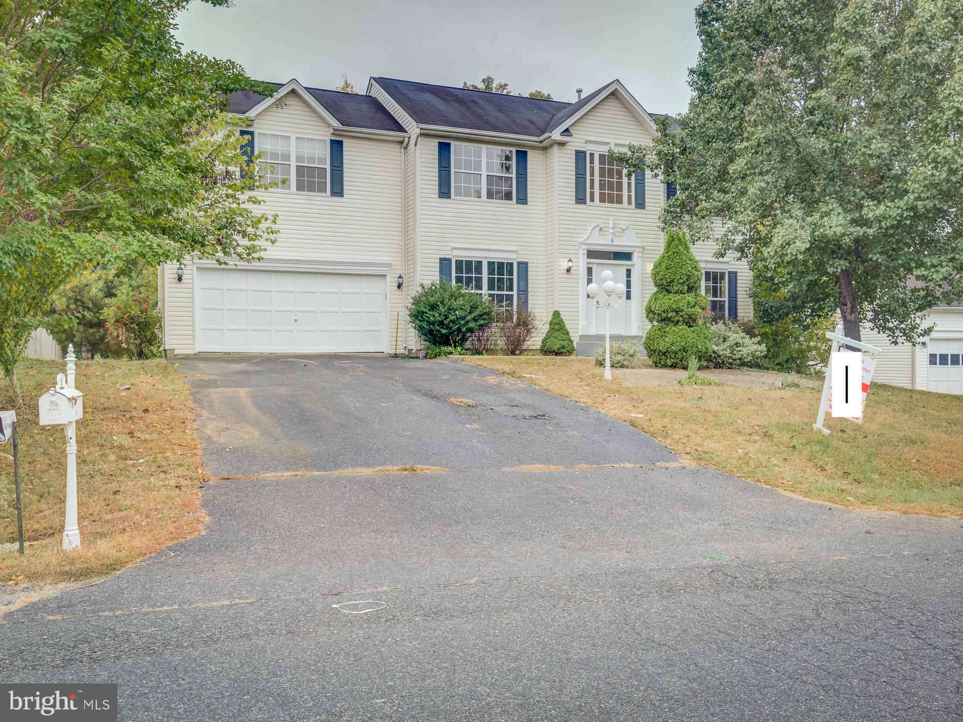 Totally Renovated Home. New Stainless Appliances, New Bathrooms, New Recess lights, New Flooring and