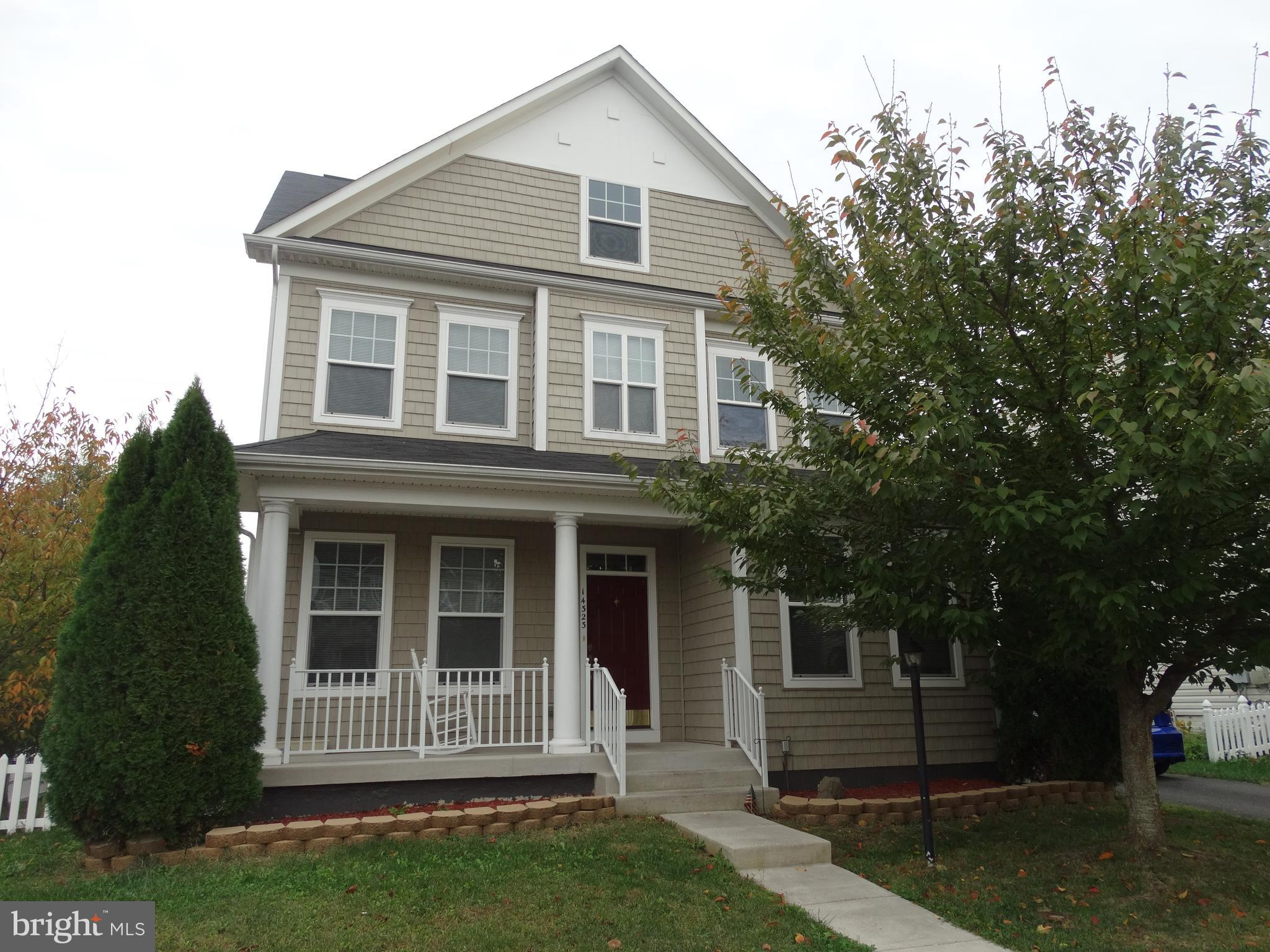 BEAUTIFUL 3 levels End single-family home, Huge Fenced yard. Property Shows well. Unfinished basemen