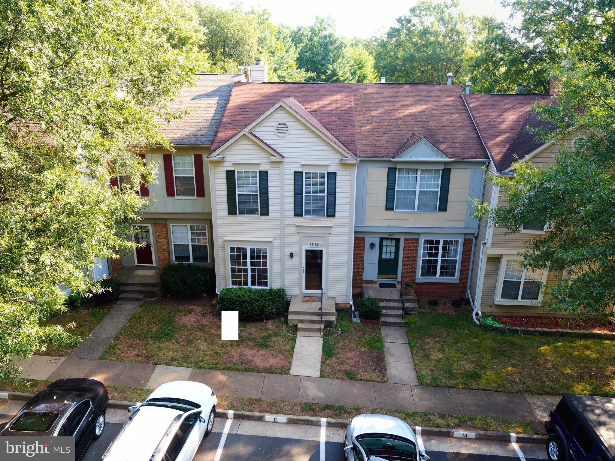 Spectacular Location! Tucked into the beautiful golf community of Penderbrook, this town home features a double Master Bedroom, hardwood floors in the main level & a large rear deck that's ideal for outdoor enjoyment.  Access to a community pool and golf course. Quick access to Rt. 50, Rt. 66, Dulles Toll Rd, Fair Oaks, Wegman's, Whole Foods and much more. Must see!