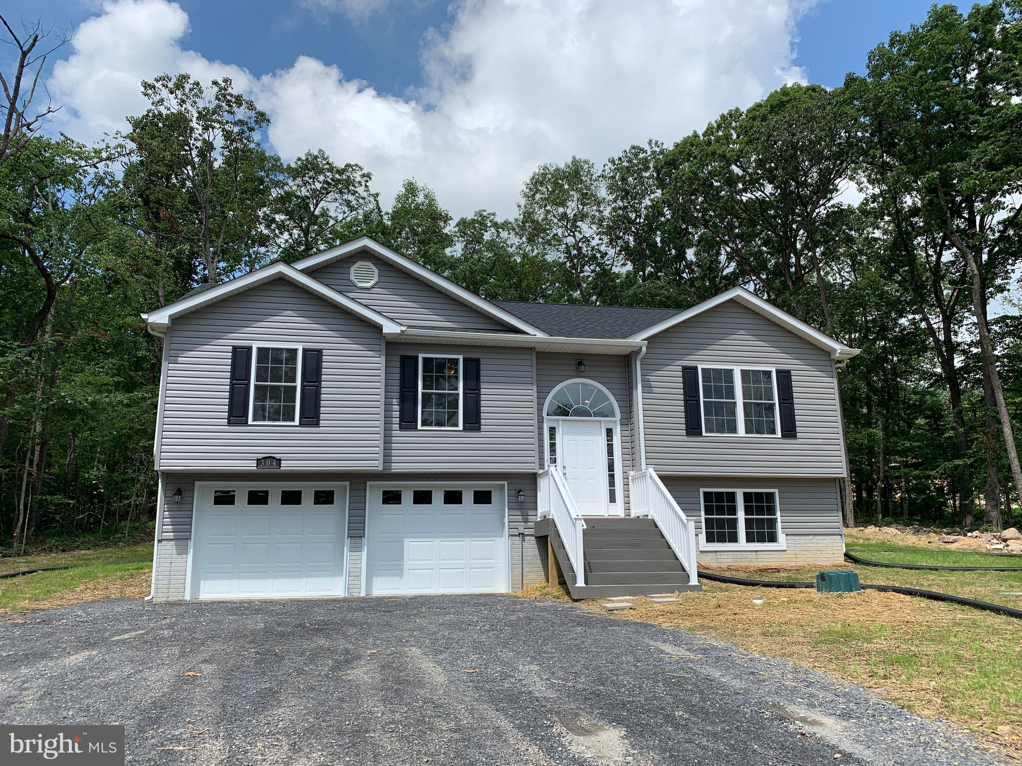 Home to be completed 90 day delivery from contract!Construction 1850 sq. ft., two car oversized gara