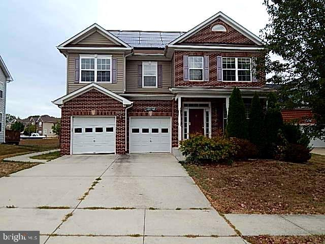 This Spacious Colonial comes with 4 bedrooms and 3.5 baths. Room for office or study on main level.