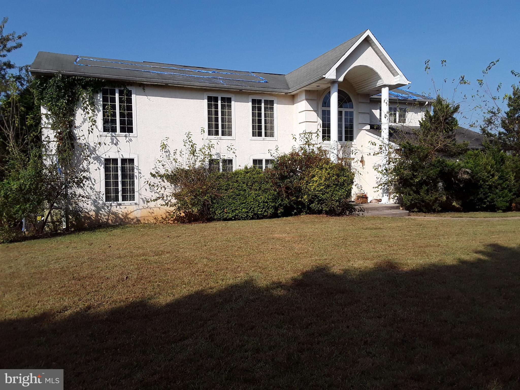 Over 2 acres of countryside in the Strawberry Hill development 10 minutes from Middletown. This Cont