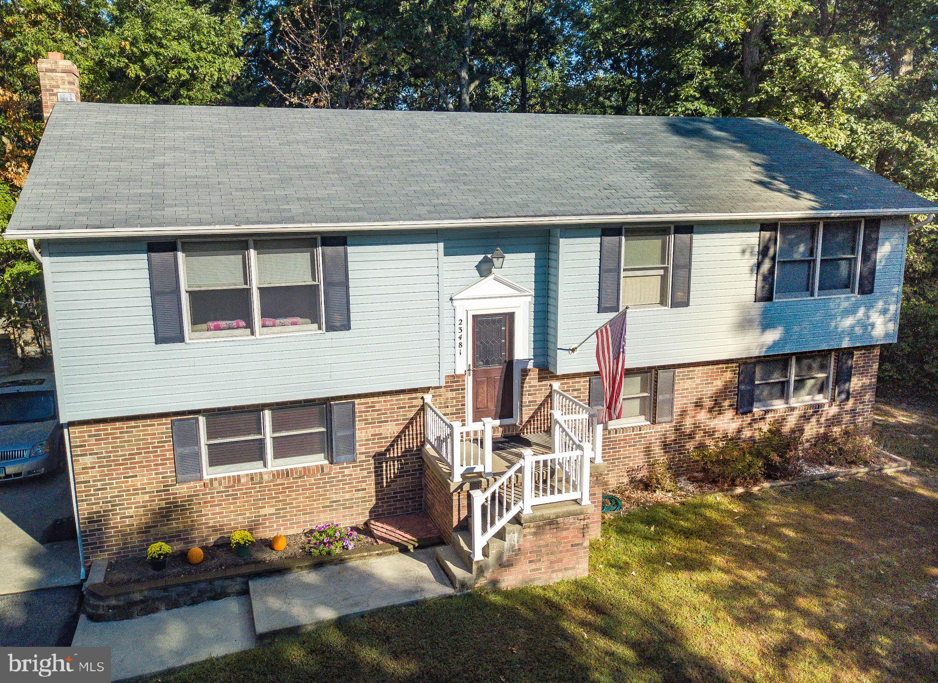 Looking for a home just minutes to PAX, shopping, and restaurants but located in a private/quiet  cu