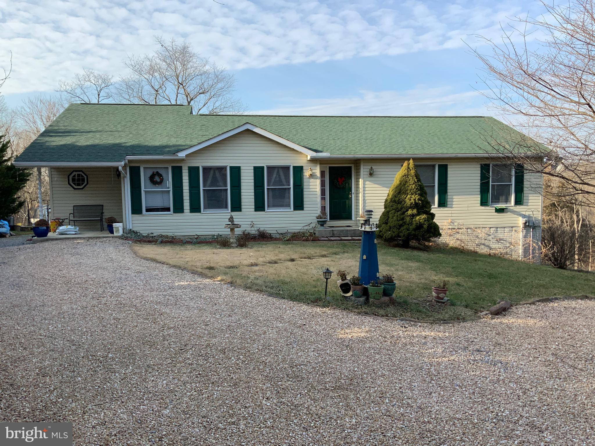Rancher with In Law Suite & deeded River Lot, 3 bedrooms, 2 bathrooms on main level, 1 bedroom & ful