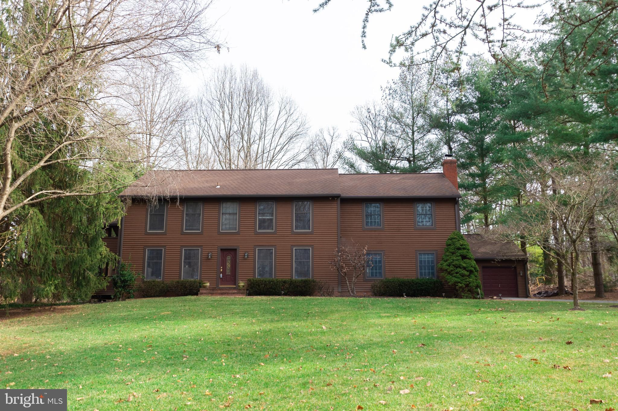 Situated on a mature serene lot, this unique 5 bedroom house has it all including detached 2 1/2 gar