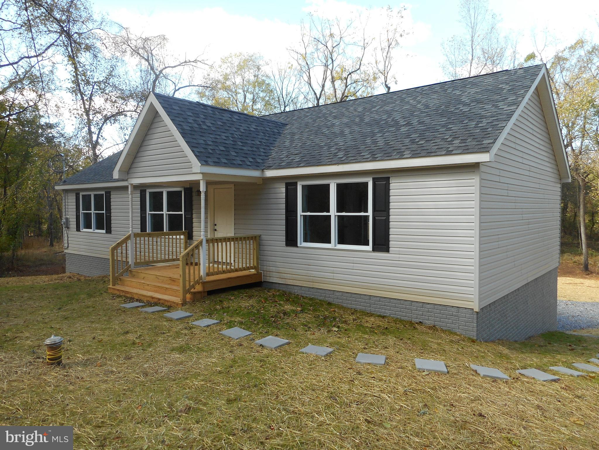 Very sharp new construction on .77ac mostly level lot in Shannondale. Energy efficient w/ 2x6 walls,