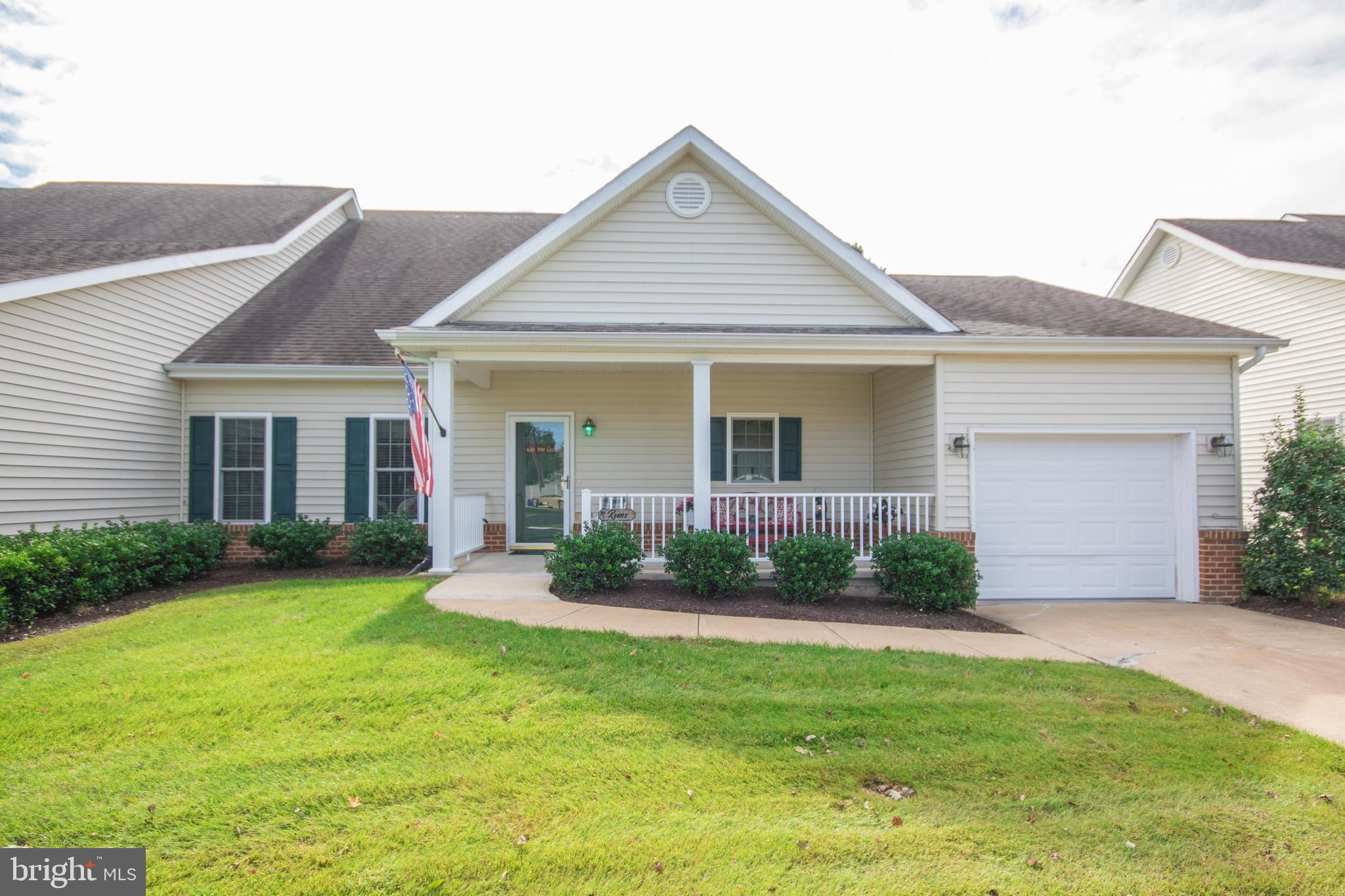 Two bedroom 2 bath cottage located in Mallard Landing.  As you enter through the foyer, to the right