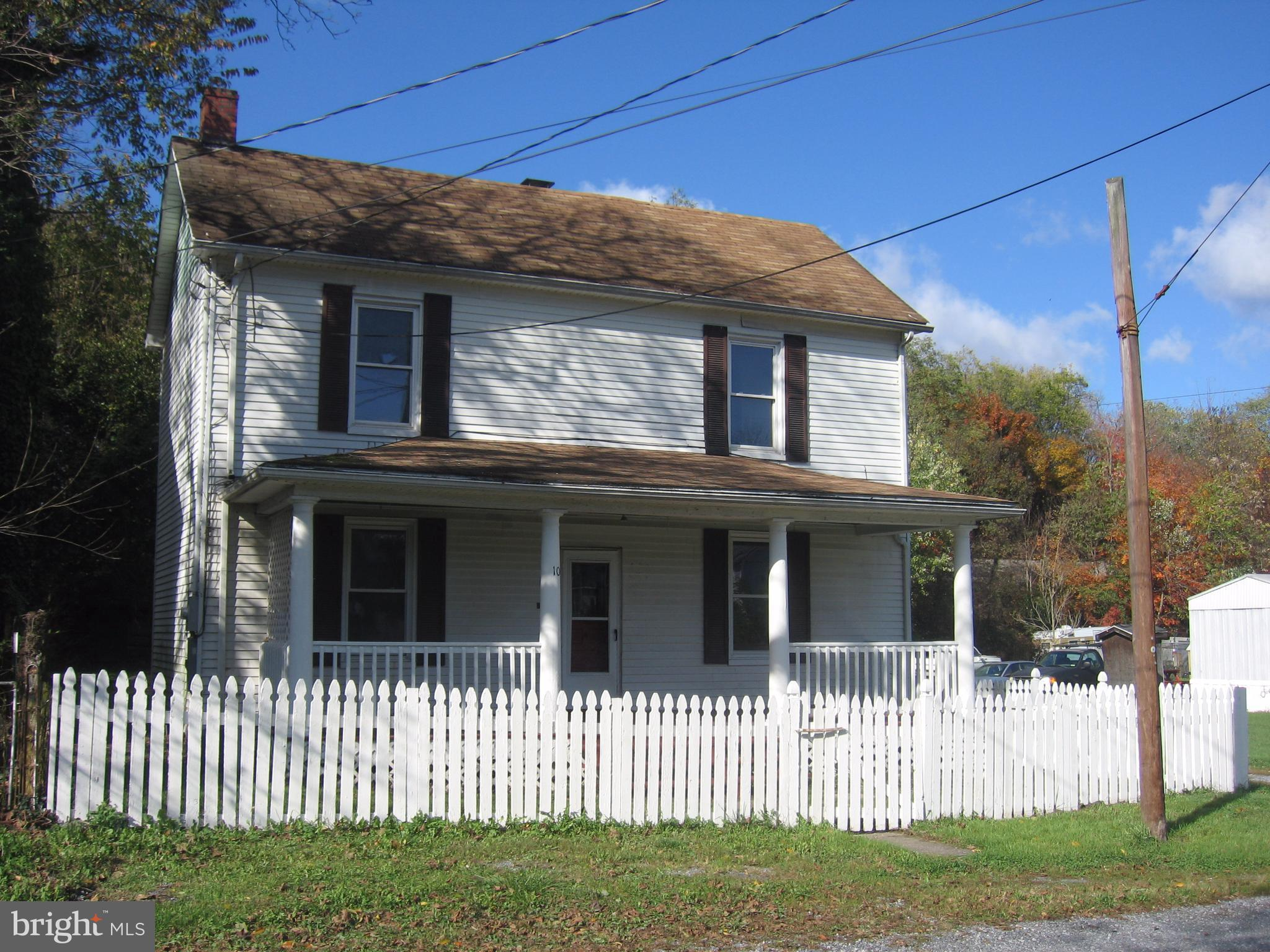 Heart of the Shenandoah Junction School District. Spacious period home with high ceilings, hardwood