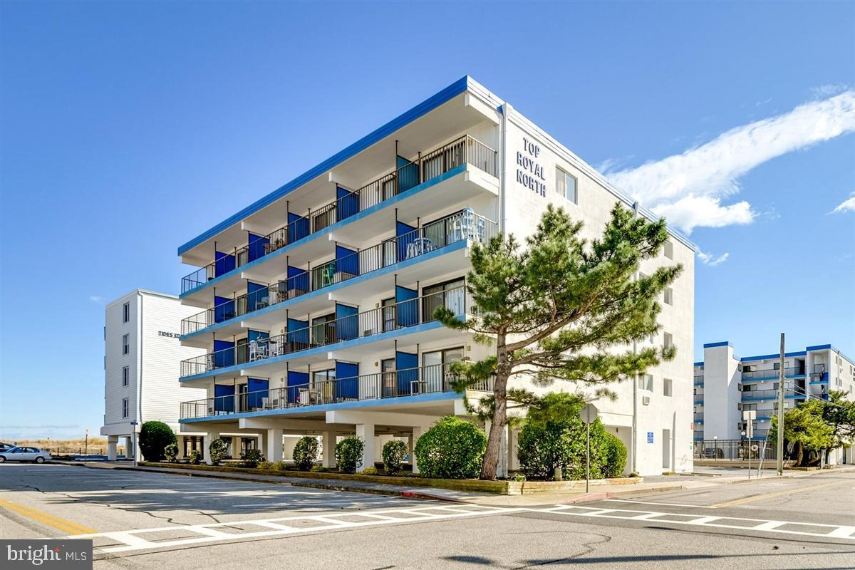 WOW OCEAN VIEW unobstructed from this Corner Unit - this is yours, just bring your Bathing Suit,  La