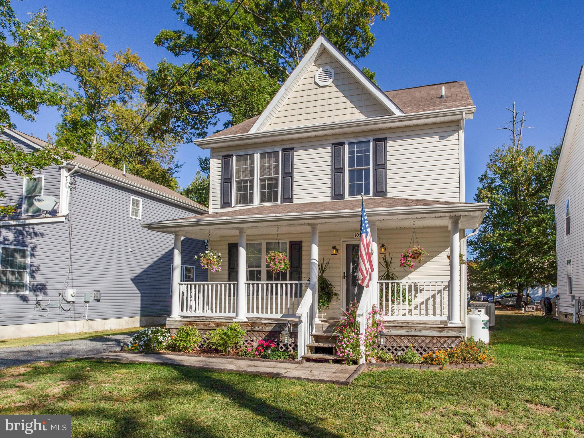 Outstanding opportunity to own this turn-key home seconds from the Chesapeake Bay with seasonal wate