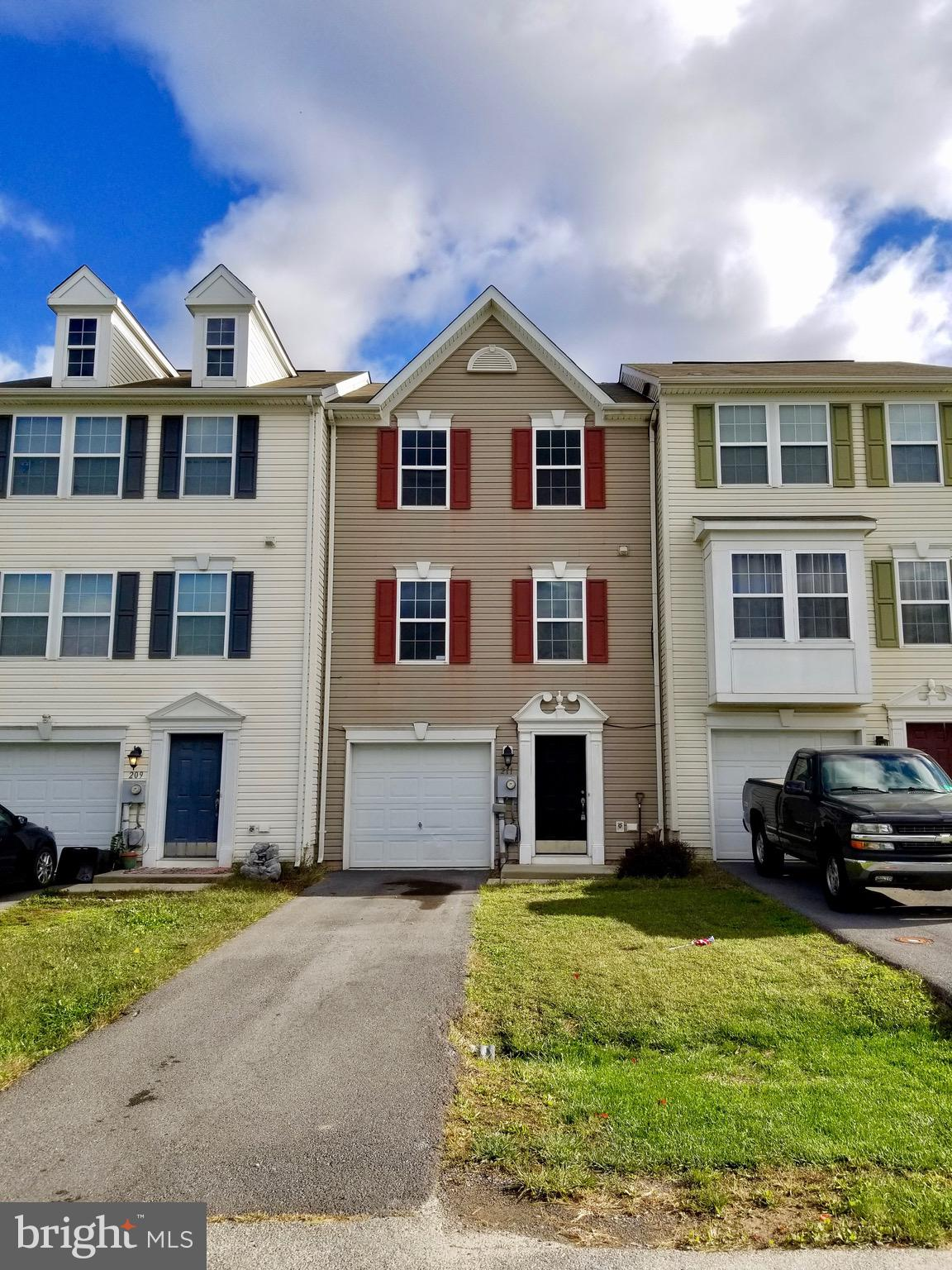 Sitting just outside of downtown Martinsburg and a short drive from Charles Town is this lovely 3-le