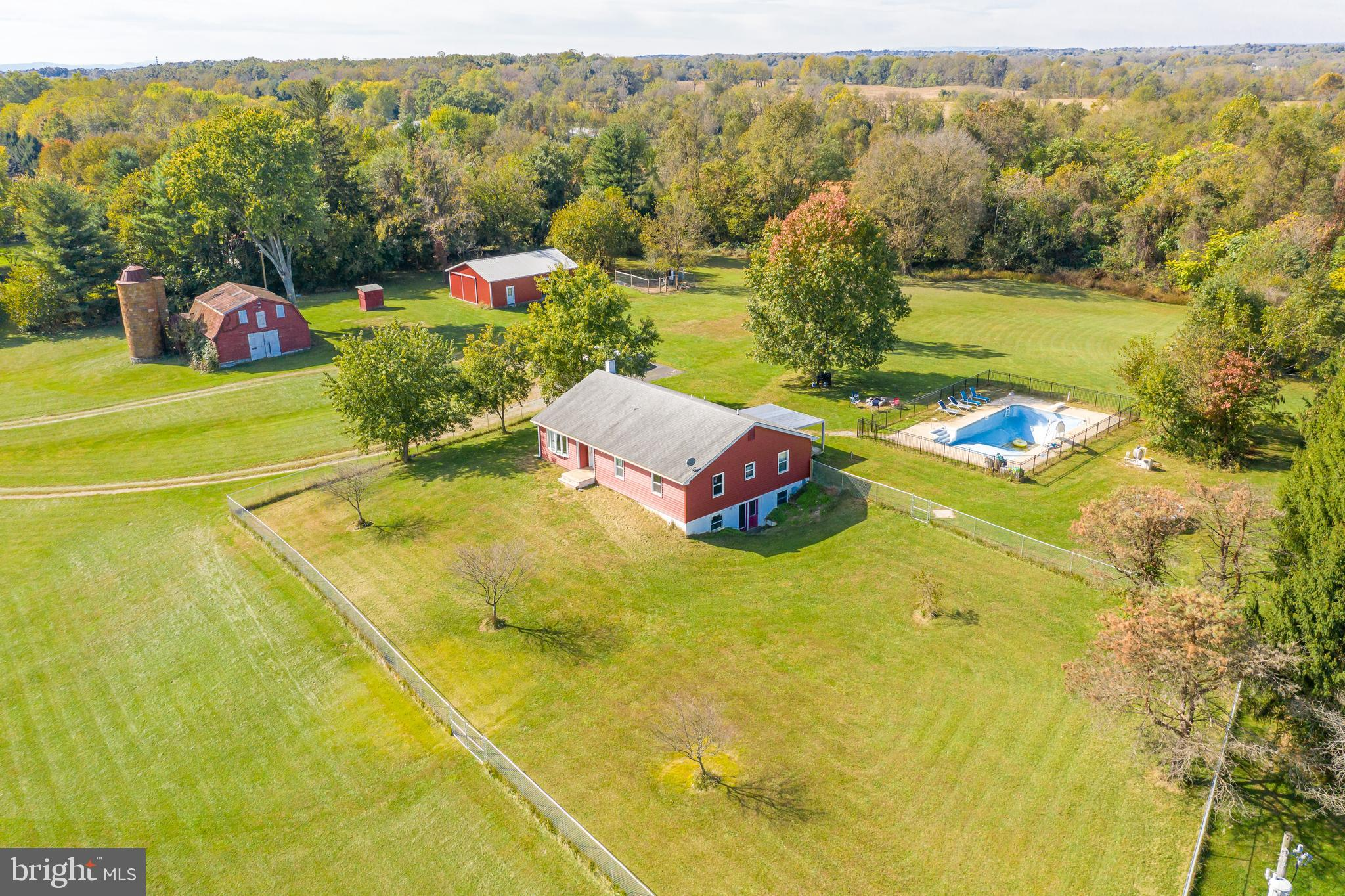 6.97 unrestricted acres in the heart of Jefferson County is all yours for the asking! Plus, a beauti