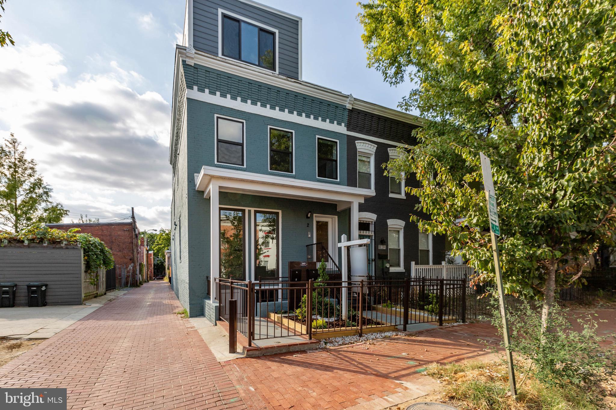 Welcome to 910 9th ST NE #1 & #2 condominium. This newly renovated semi-detached 2-unit condominium