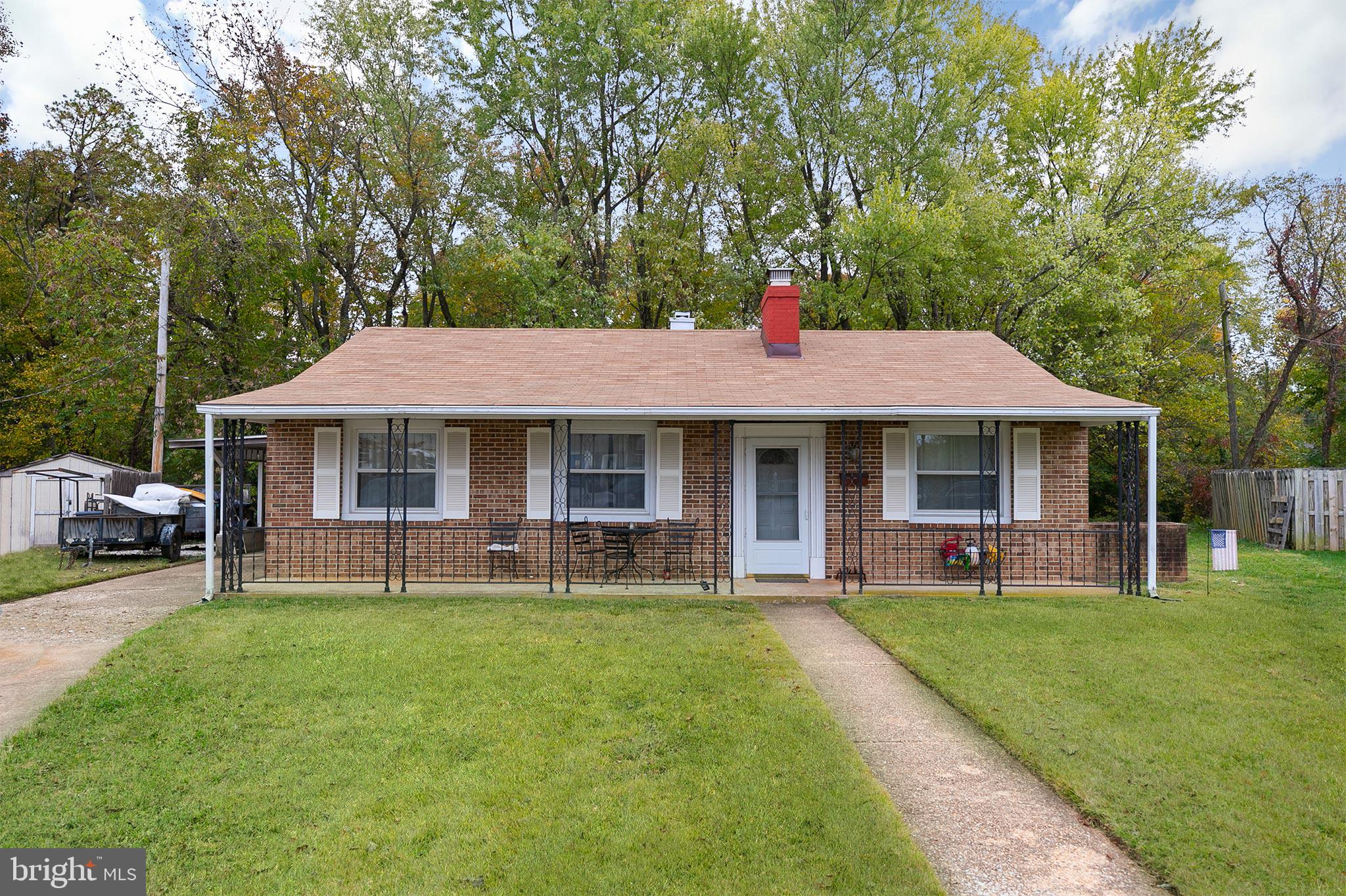 So much potential in this perfect fixer upper! Instant sweat equity! New roof, & new water heater! L