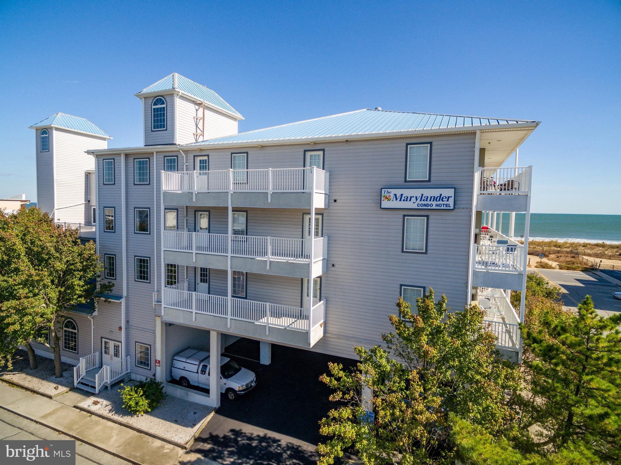 Welcome to the Marylander #307 in Ocean City, MD! This cozy one bedroom Oceanblock Condo is well pri