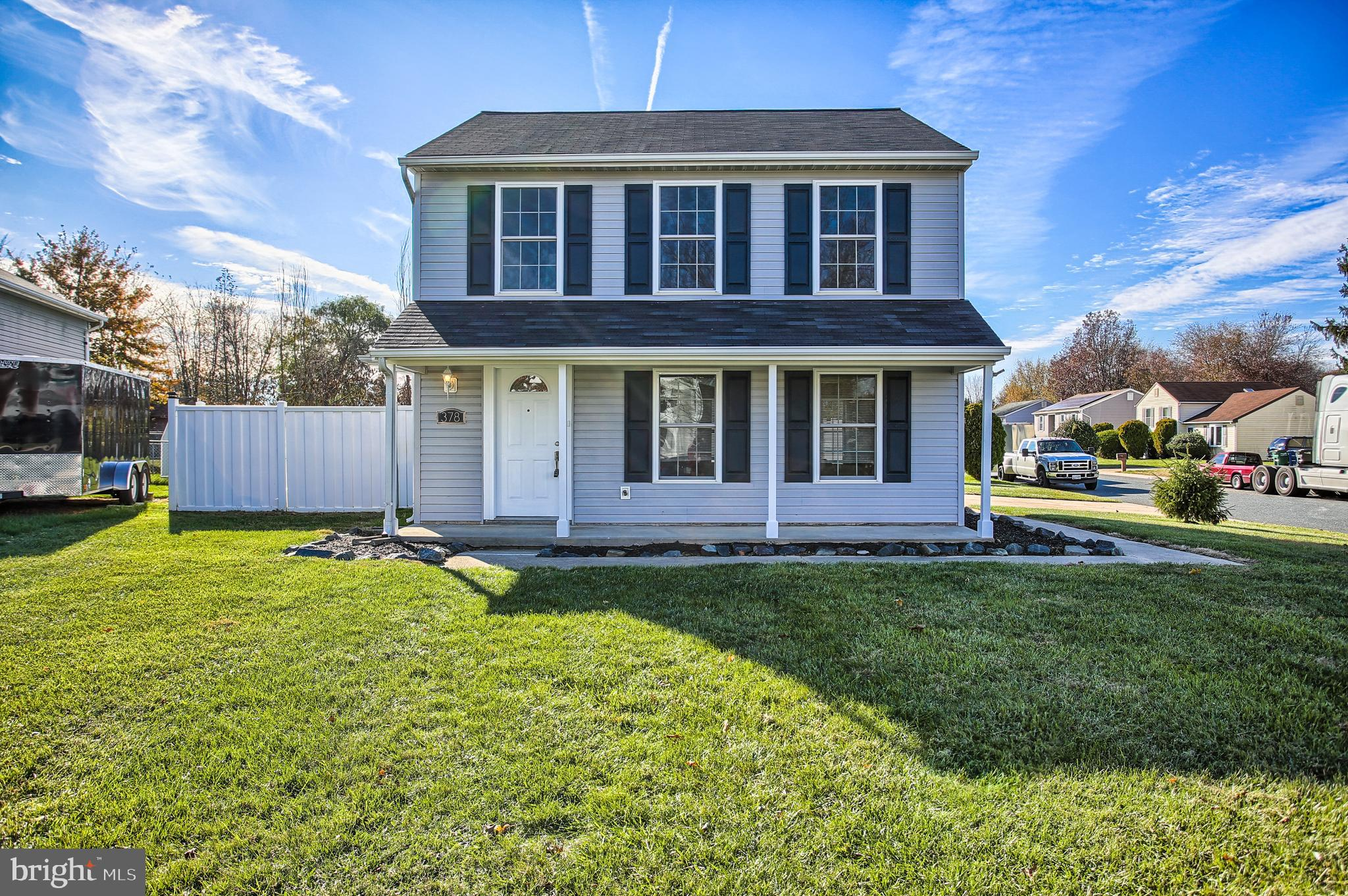 Shows great and is ready to move in! This 3 bedroom 1 1/2 bath colonial has been beautifully renovat