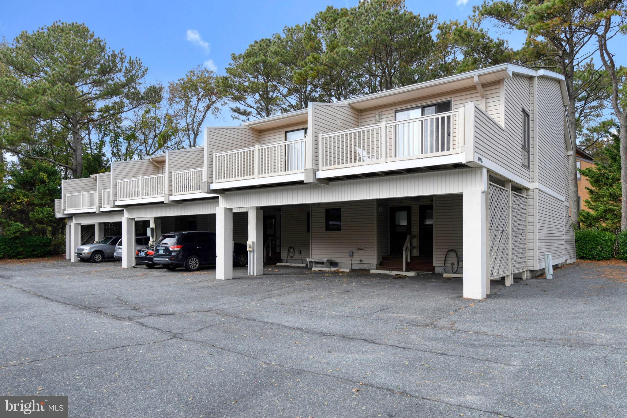 Rarely available, this 2 Bedroom unit is only 1 Block to the Beach! Step down into the Living room,