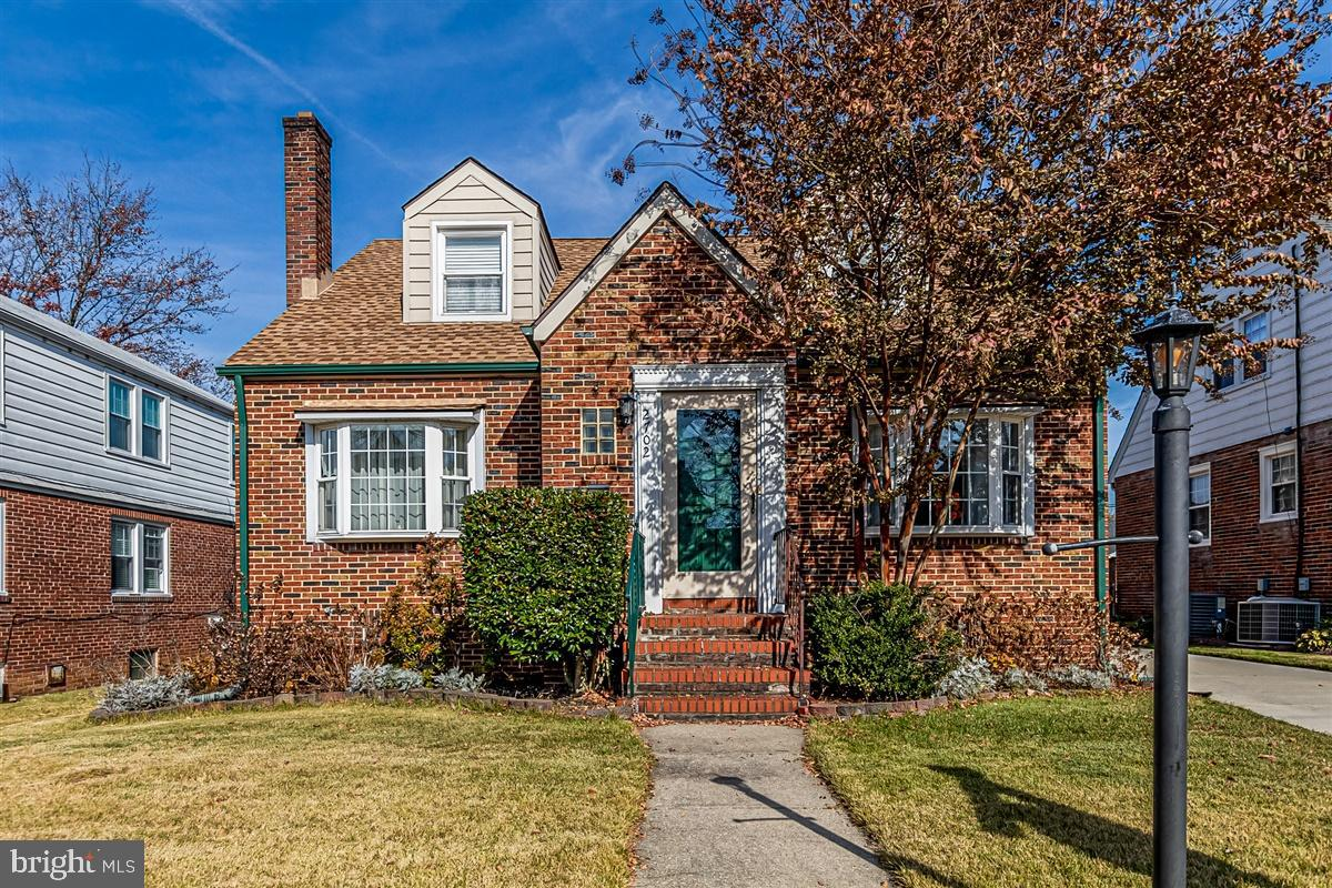 Don't  miss this adorable all brick Cape Cod  located on one of the quaintest  ONE WAY streets in Pa