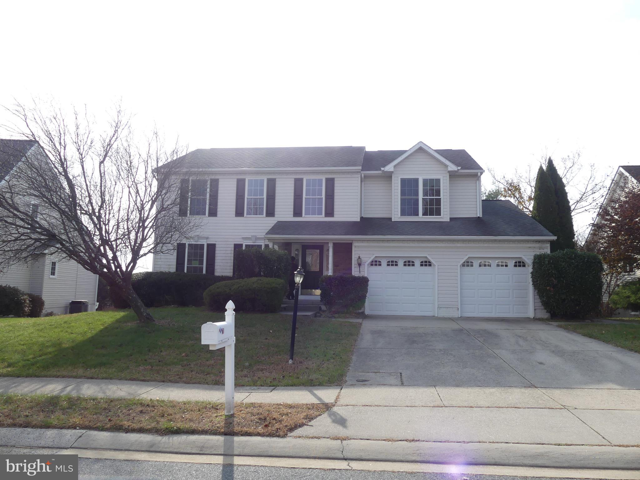 Buyers hurry fast! Come see this extra large colonial in Forest Lakes that has all new carpet on the