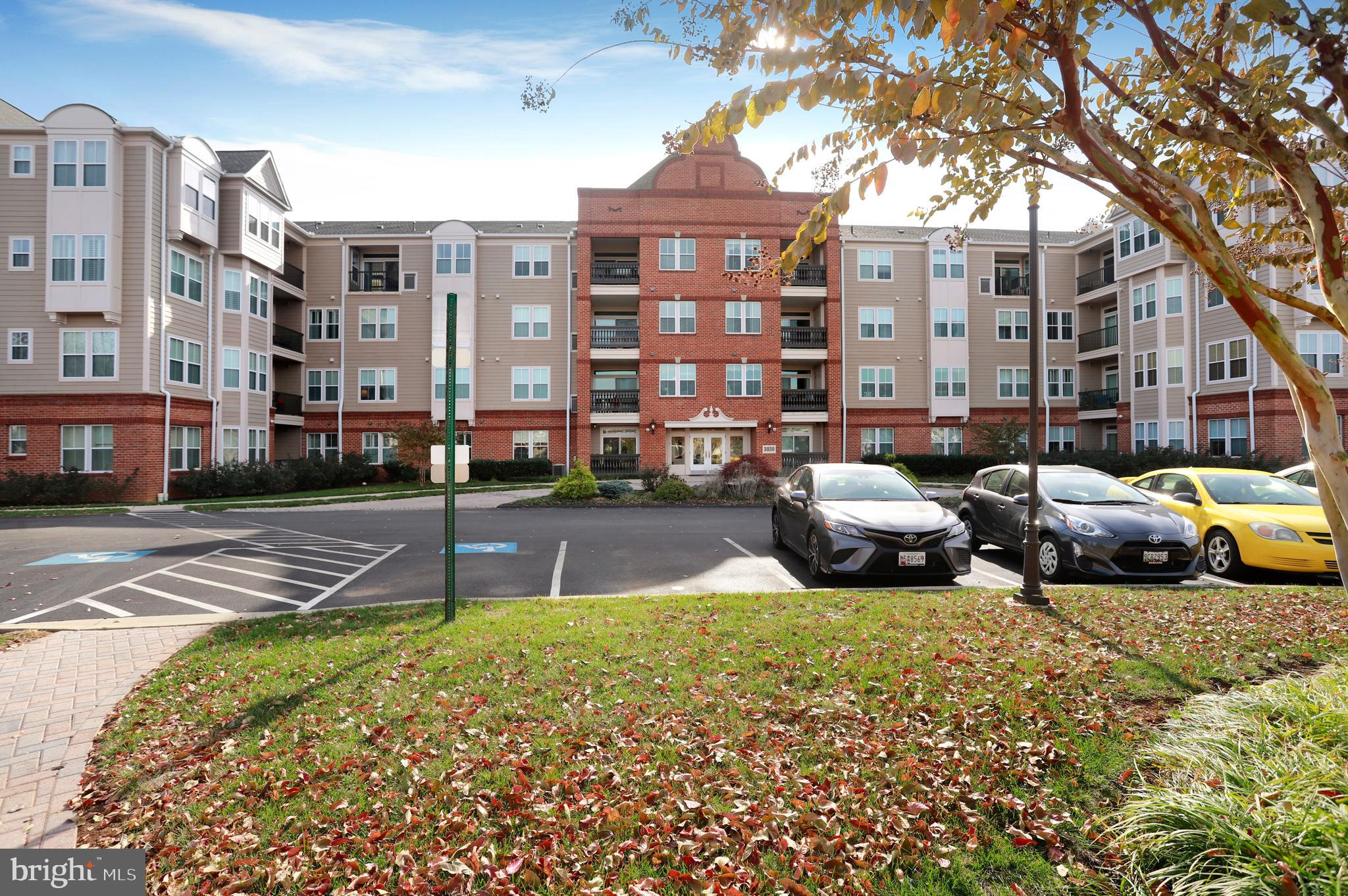 This luxury condo is sure to please - with over 1500 sqft  of living space and tree views!  This hom