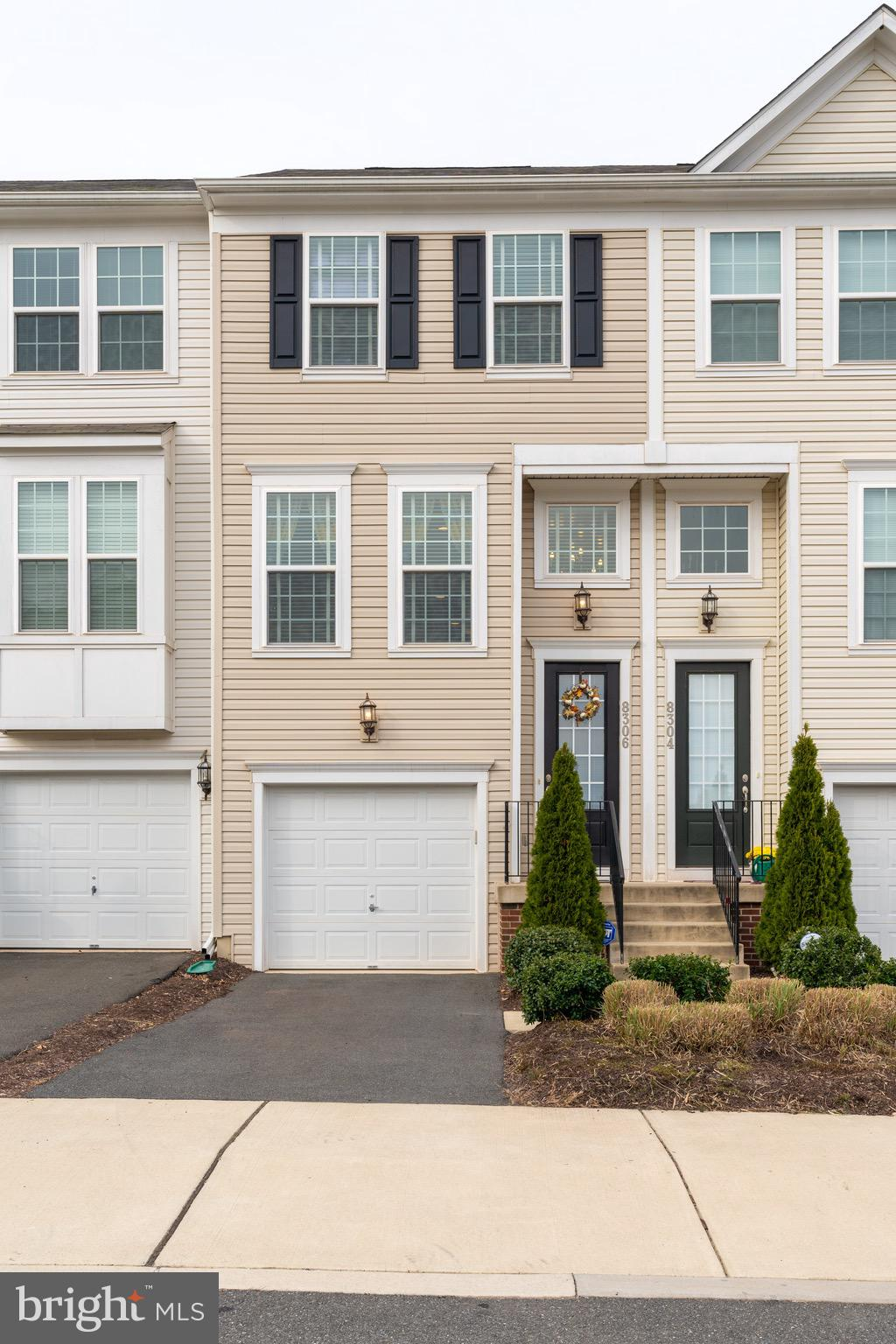 Move-in ready home!  Beautiful townhome offers 1 car garage, 3 bedrooms, 2 full bath.  Spacious and