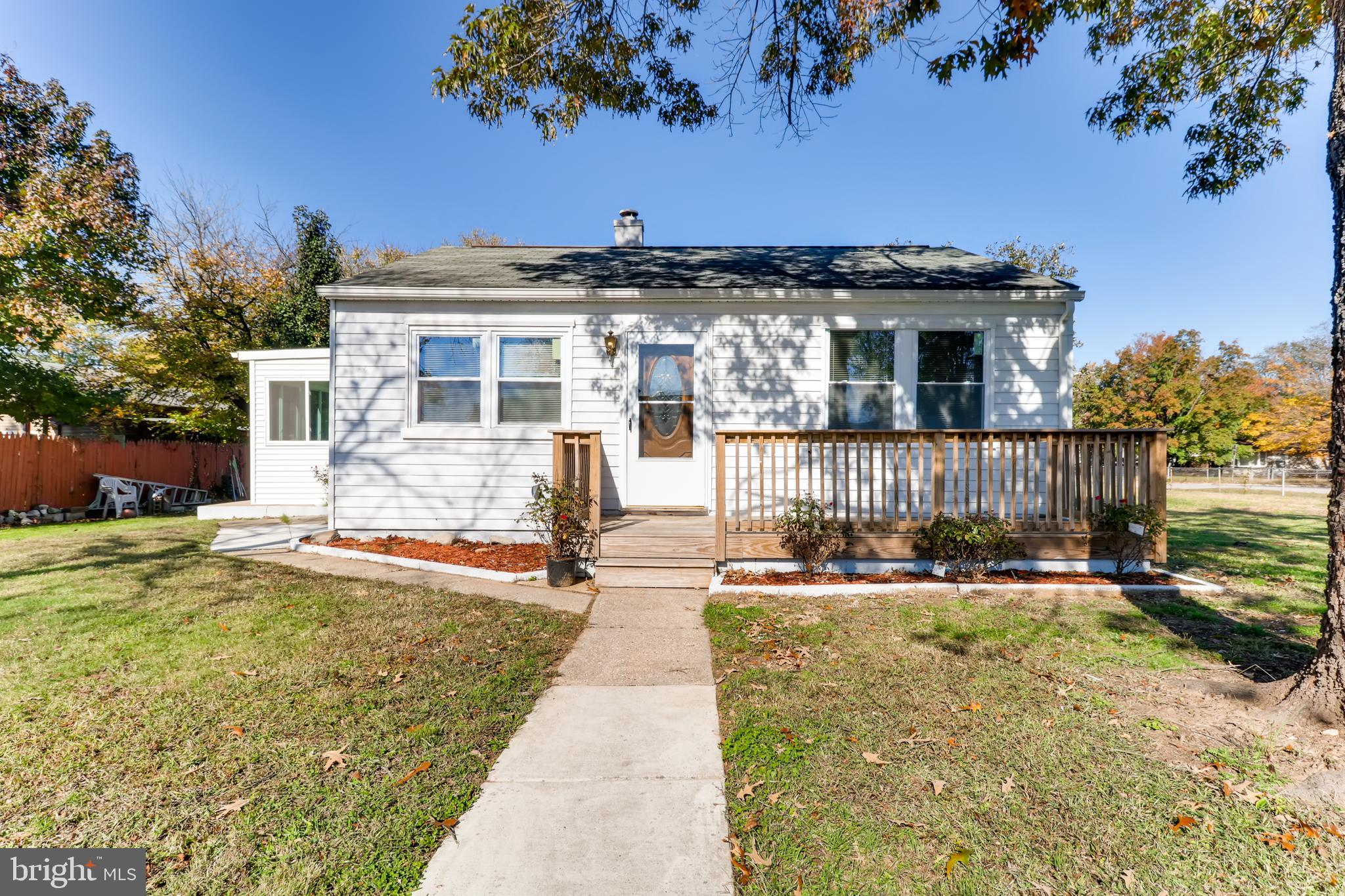 Cute Rancher on HUGE CORNER LOT!!!  Updated floors throughout and new appliances in the kitchen and