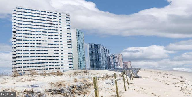 Looking for a Direct Ocean Front Dream, well you found it!   This sun-filled favorable 4th floor uni