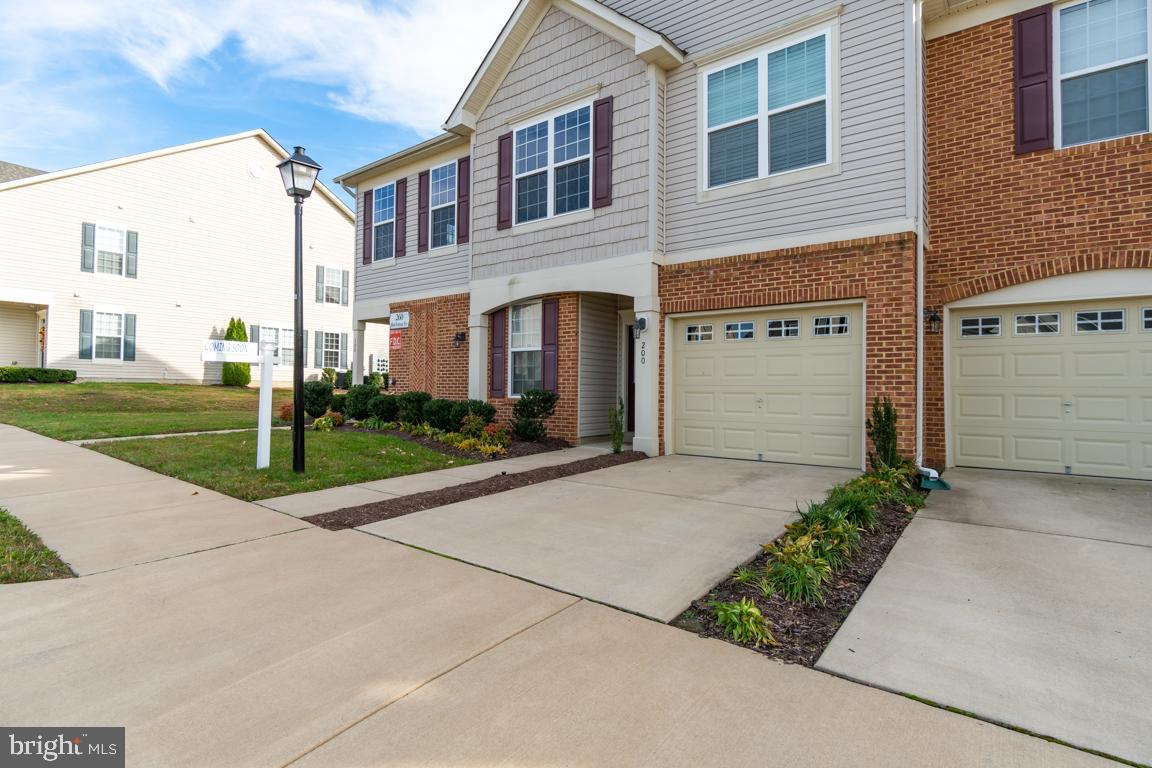 Are you looking for a newer home in an amazing amenity-filled neighborhood?   Colonial Forge is a ne
