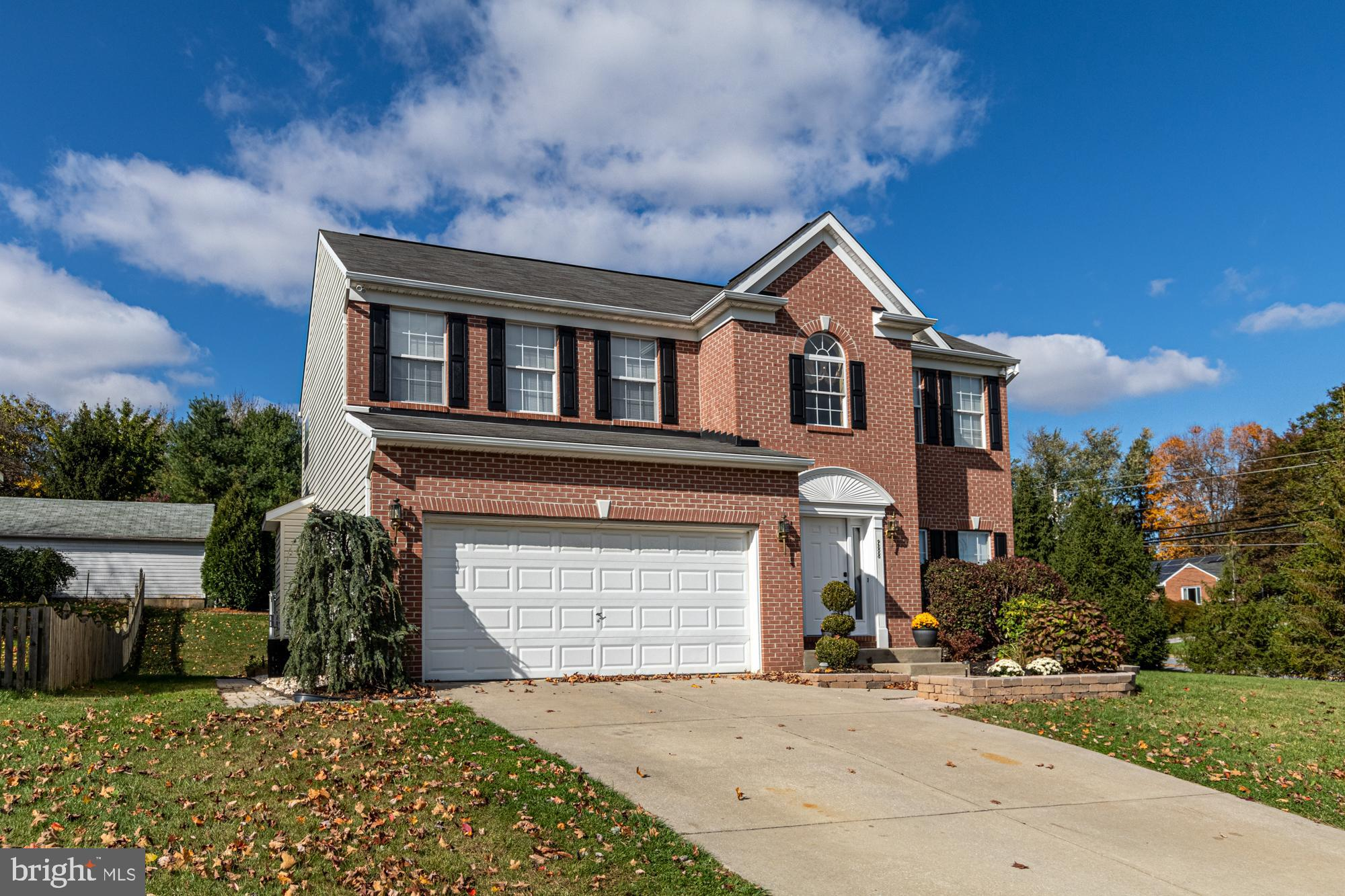 WELCOME HOME...to this charming 5 BR, 3.5 BA  colonial in Stoneridge Overlook.   With over 2100 fini
