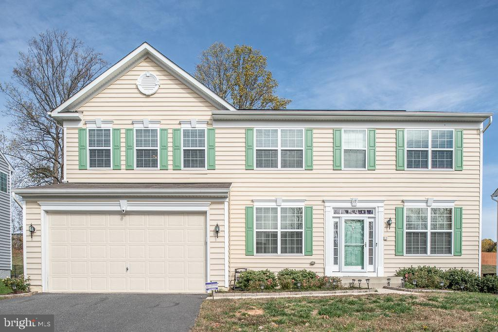 Come check out this gorgeous turnkey ready colonial. This 5 bedroom 3.5 bath, with gleaming hardwood