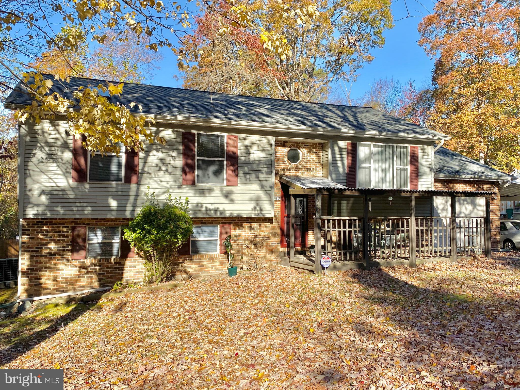This spacious single-family home in Lusby is waiting for you to add your special touches! This 3 bed