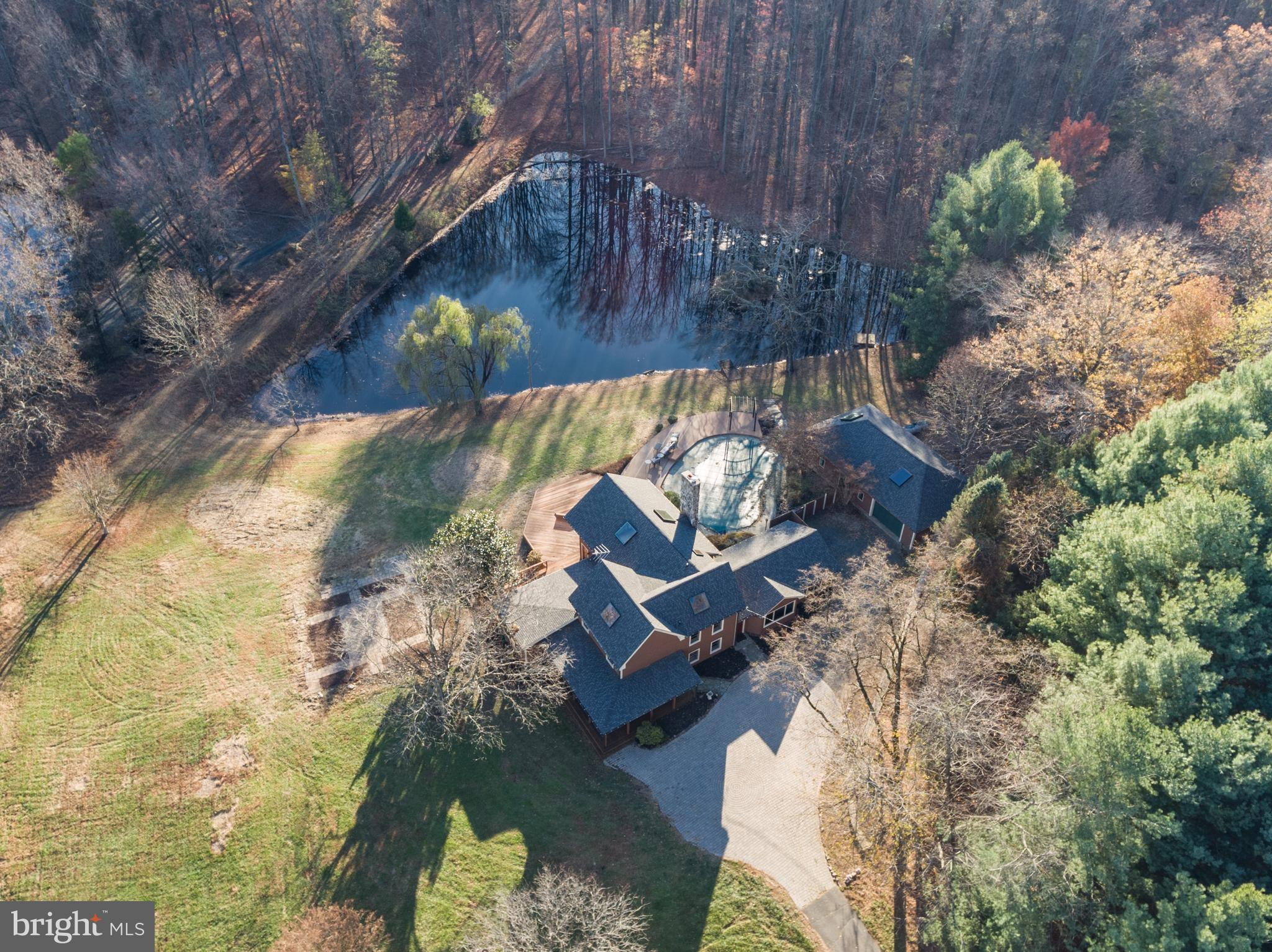 OPEN SUNDAY 11/17 1-4PM**Fabulous property & Incredible possibilities for various event venues:  Win