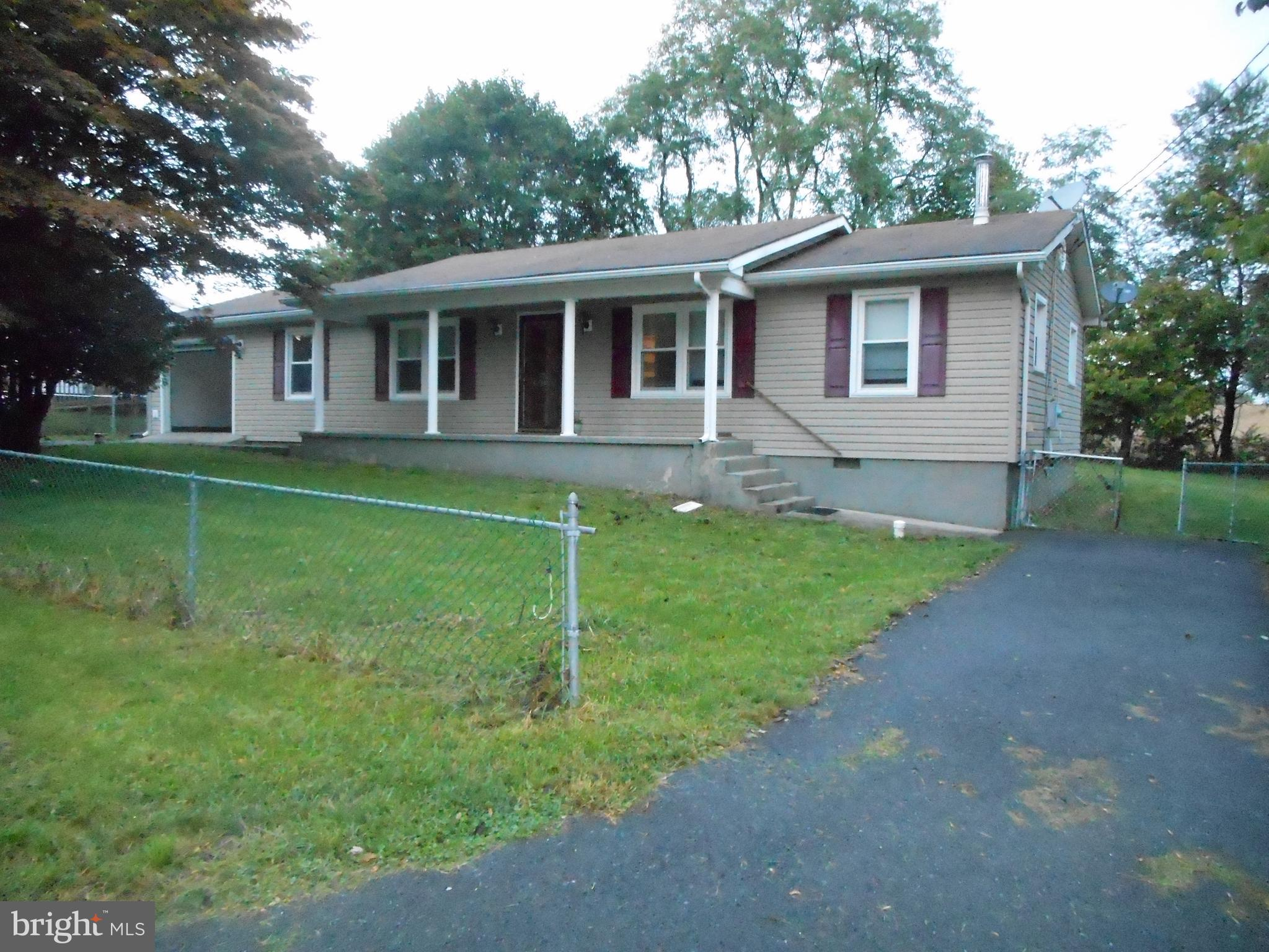 Attractive ranch ready for new family. 3 BR 1.5 BA, large utility/laundry room, hardwood flooring, s