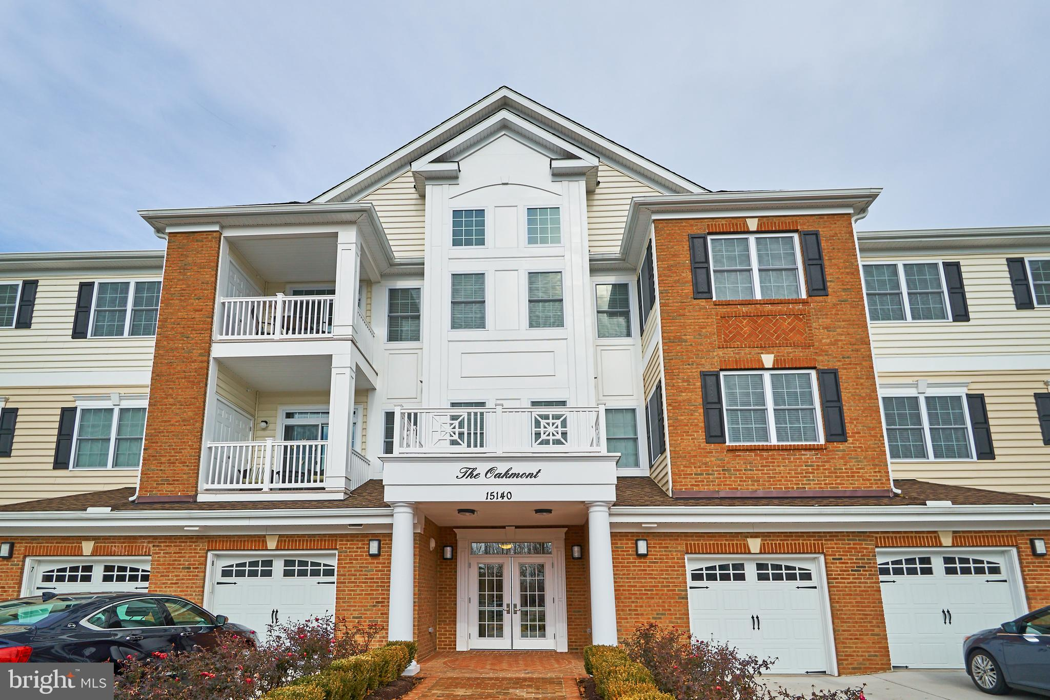WOW,  gorgeous Oakmont Model,  4th floor,  2 bedroom, 2 bath end unit condo in the newest condo buil