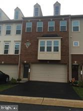 Nicely upgraded Three bedroom townhouse in Heathcote Commons. Separated 2nd family room with bathroo