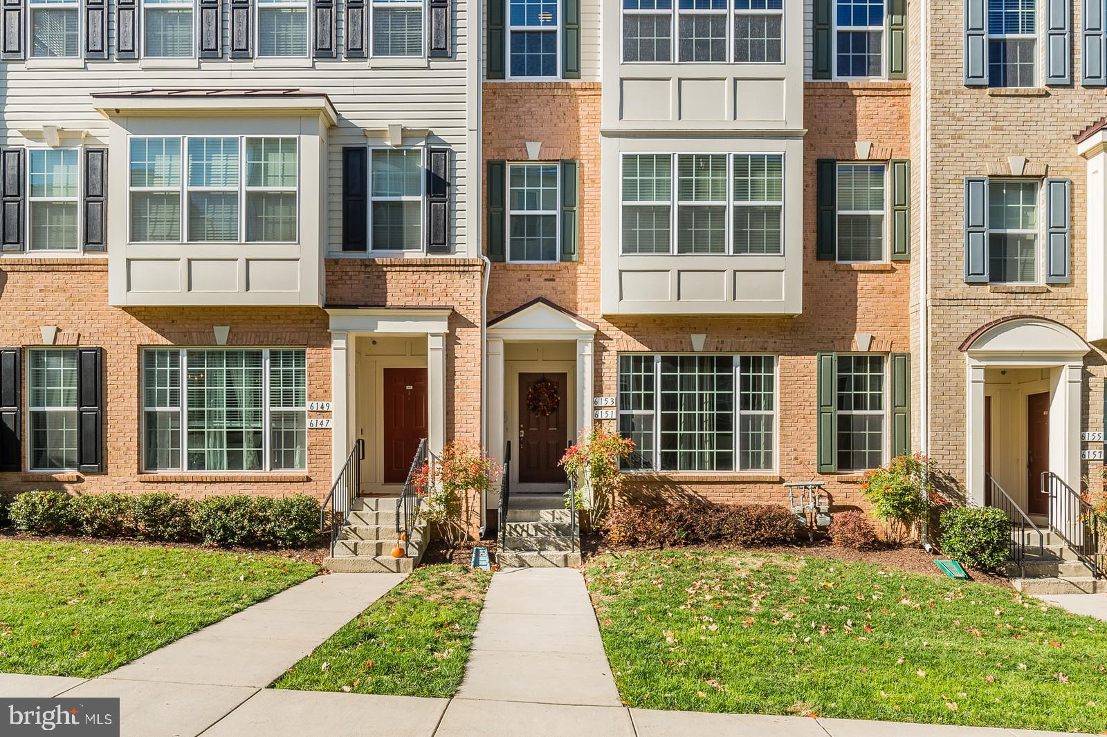 Gorgeous, move-in ready condo in the 20169, Haymarket! Spacious and well-appointed with three levels