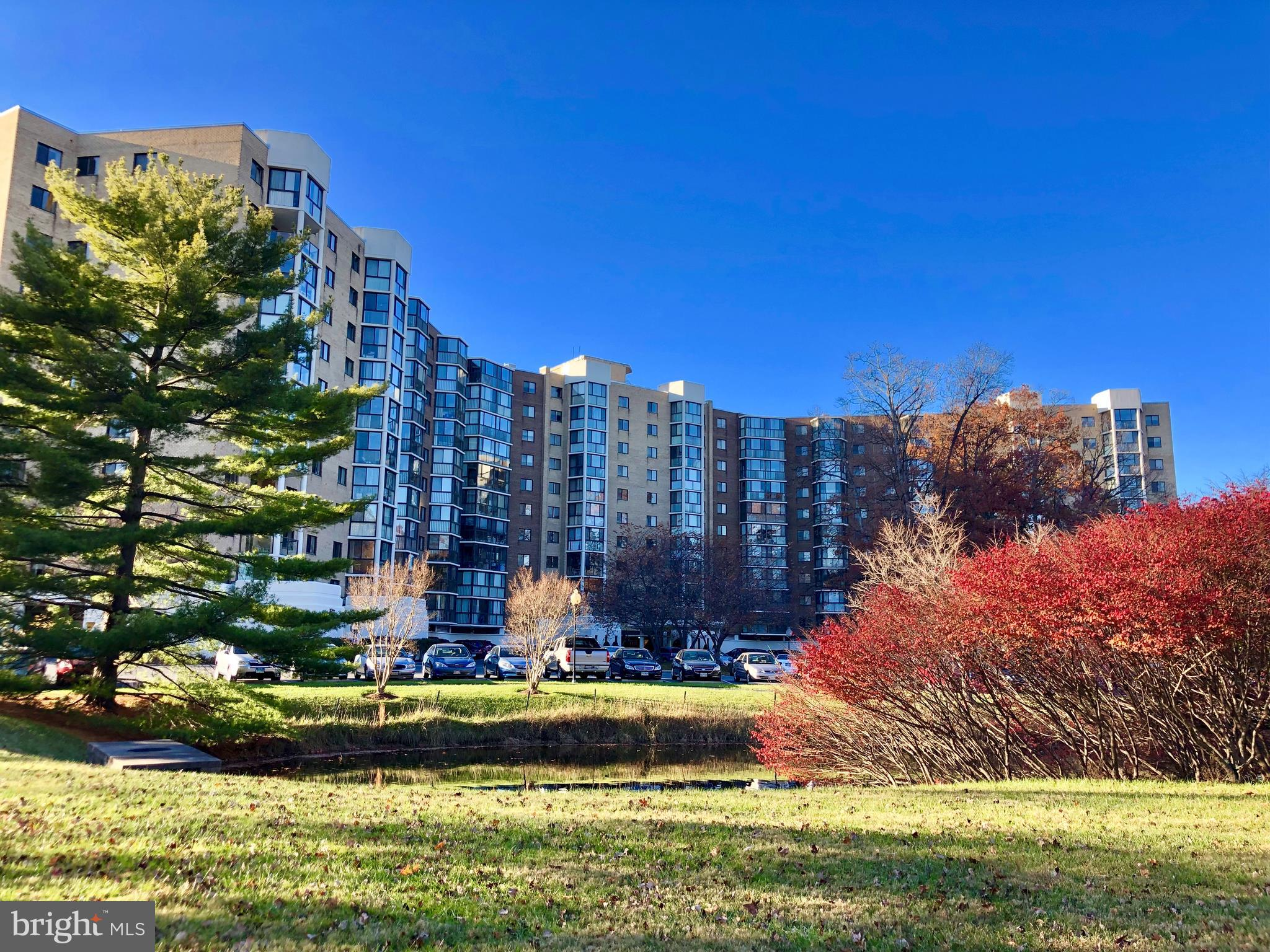 55+ Community, Beautiful 2 Bedroom, 2 Bath Condo, GG Model, with spectacular views of water and golf