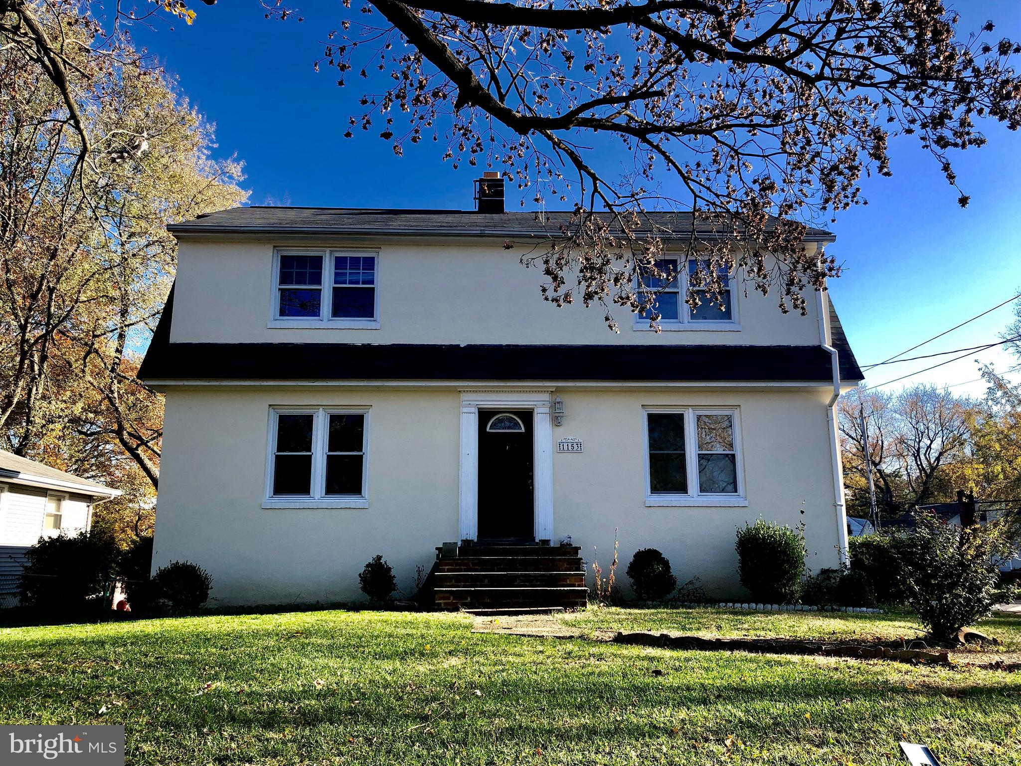 1 1/2 from  historic Annapolis with a very affordable price. This  home has plenty space where it co